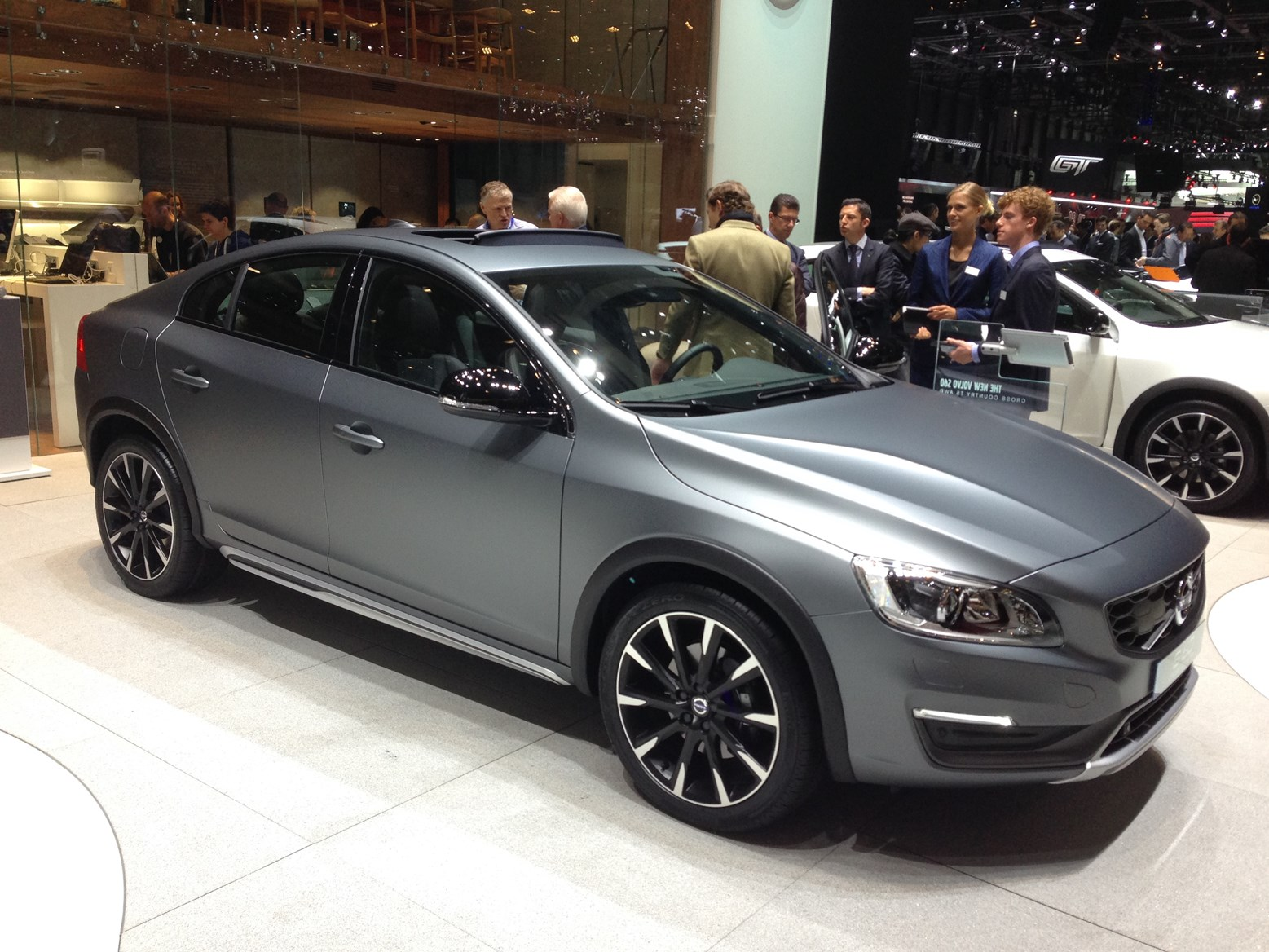Volvo v60 cross country review 2015 parkers - Volvo Xc90 R Design Volvo S60 Cross Country