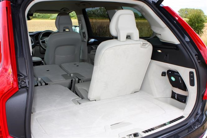 Speaking Of Small Kids The Q7 Also Carries Isofix Mounting Points Across All Six Penger Seats A Feat Few Cars Can Match
