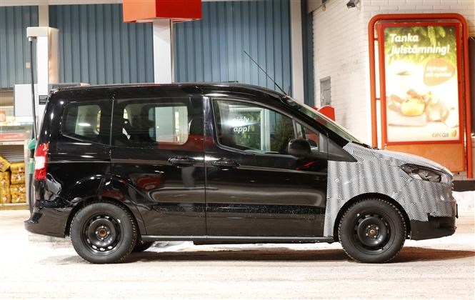 Ford Tourneo Courier spyshots hint at Transit Courier update in 2018 on ford expedition, ford torino, ford f-250, ford ecosport, ford cougar, ford taurus, ford f350, ford fiesta, ford fusion, ford courier, ford focus, ford e-series, ford connect, ford granada, ford caravan red, ford mondeo, ford explorer, ford transit, ford tempo, ford flex,