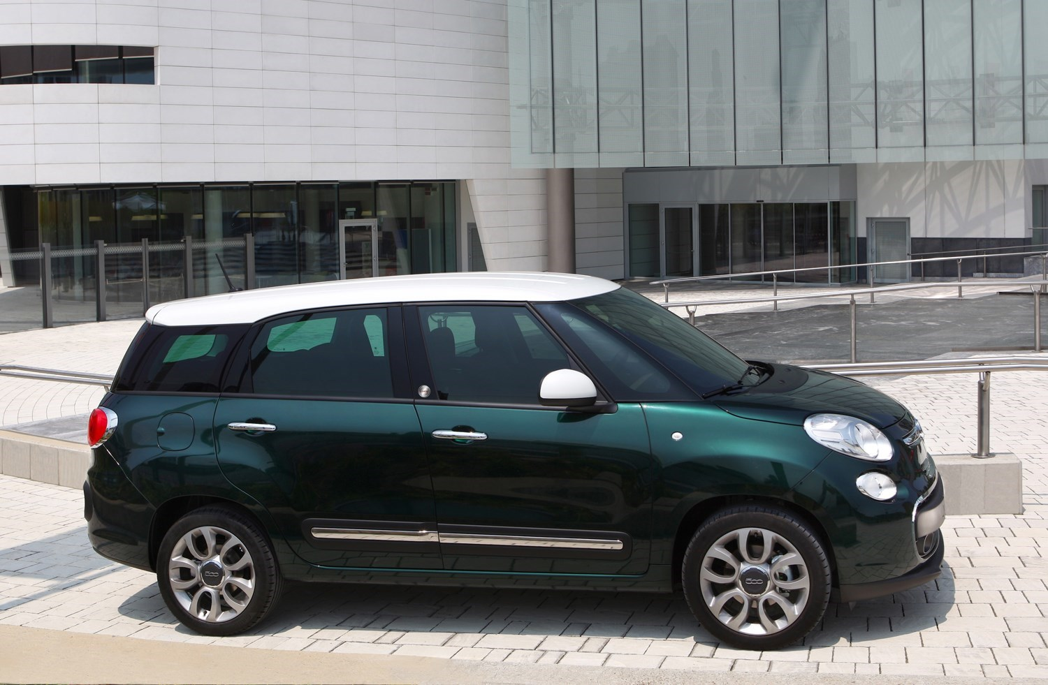 Cars for twins and a toddler - Fiat 500L MPW