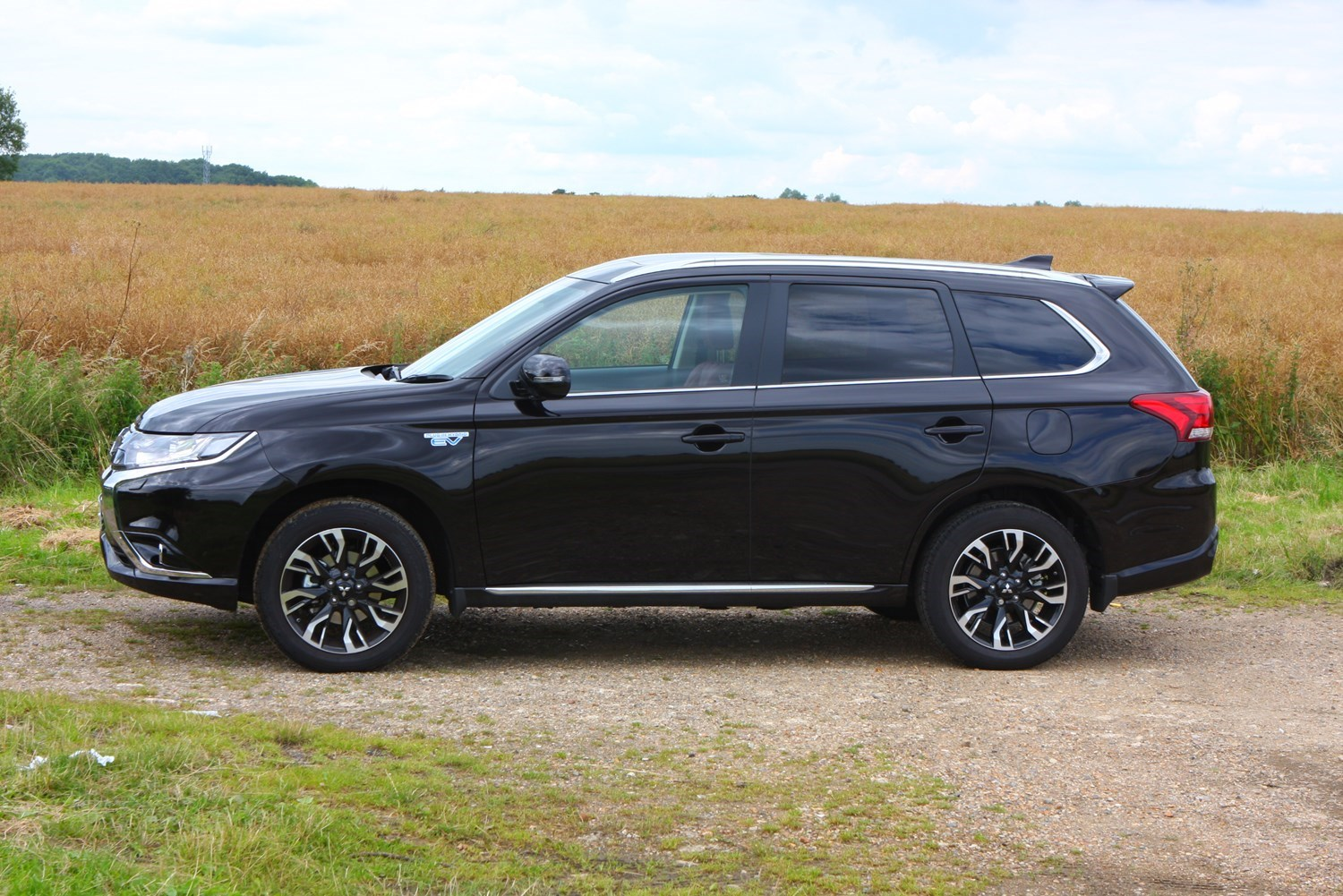 Cars for twins and a toddler - Mitsubishi Outlander