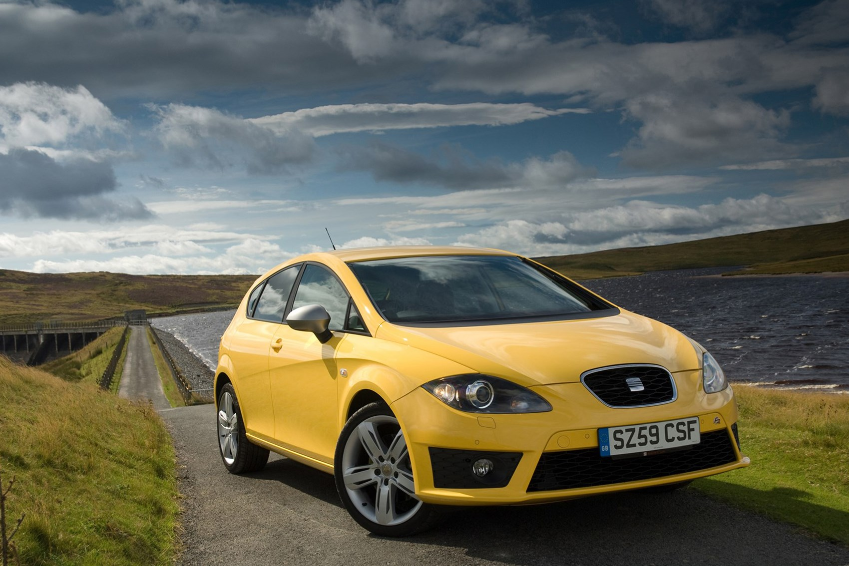SEAT Leon FR+ - used hatchbacks for less than £4k
