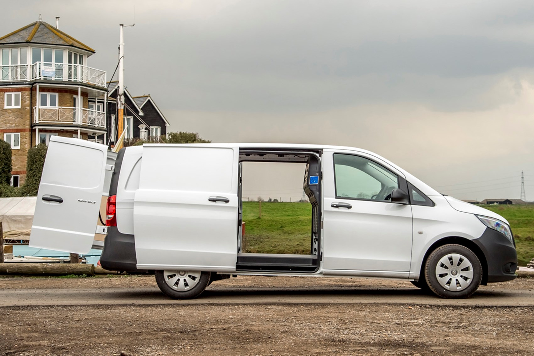 Mercedes-Benz Vito - best vans for fishermen