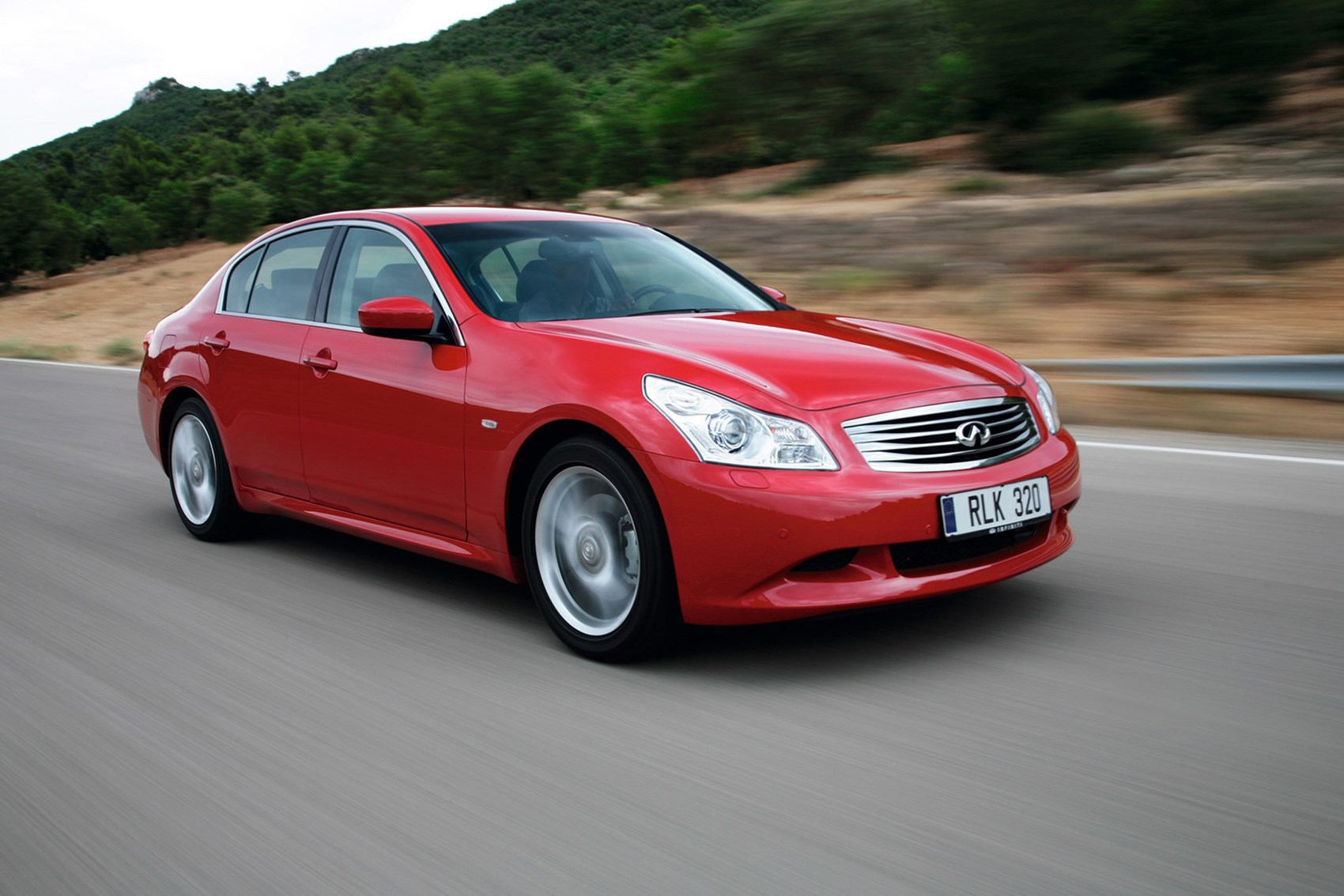 Infiniti G Saloon - luxury cars for less than £10k