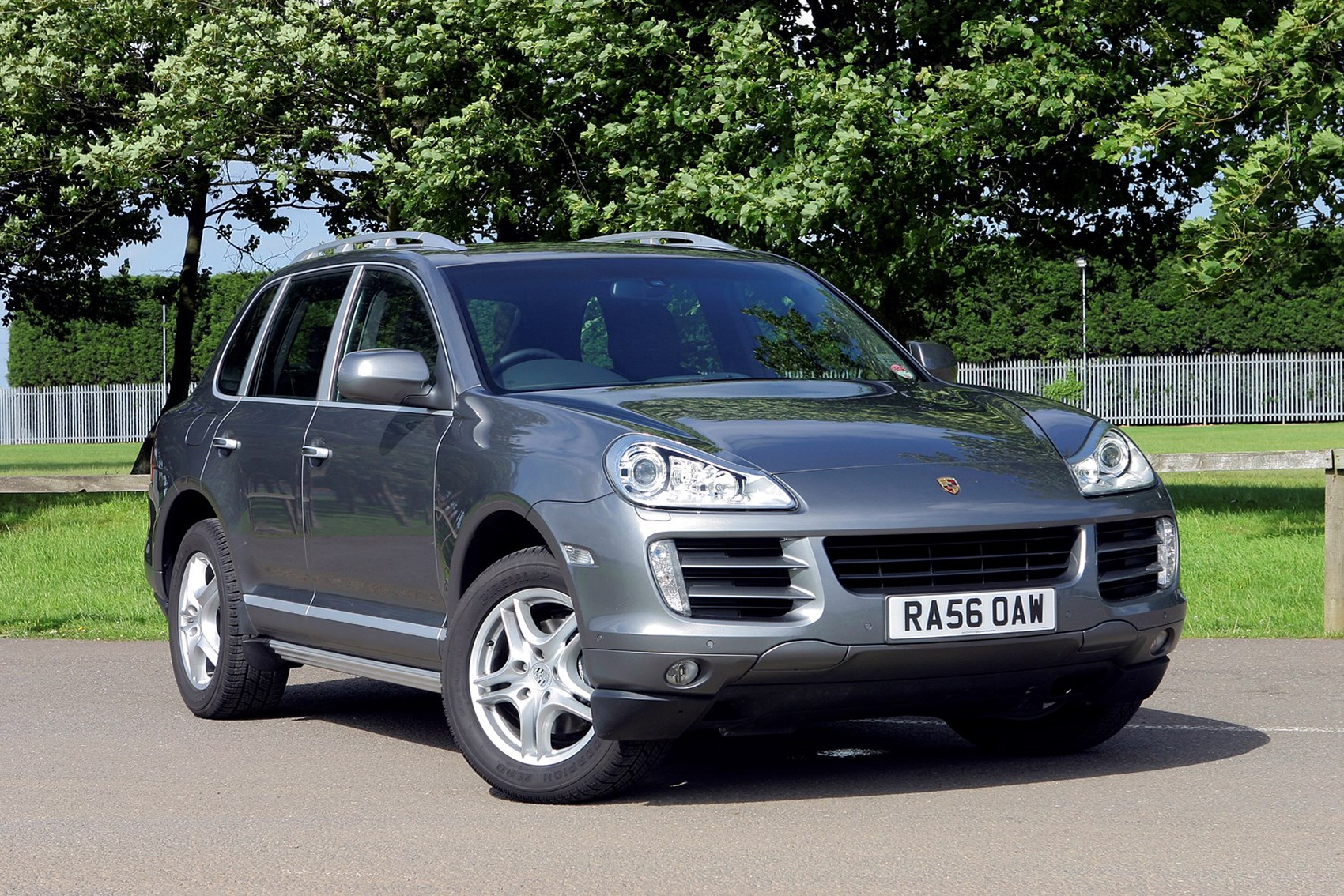 Porsche Cayenne - luxury cars for less than £10k