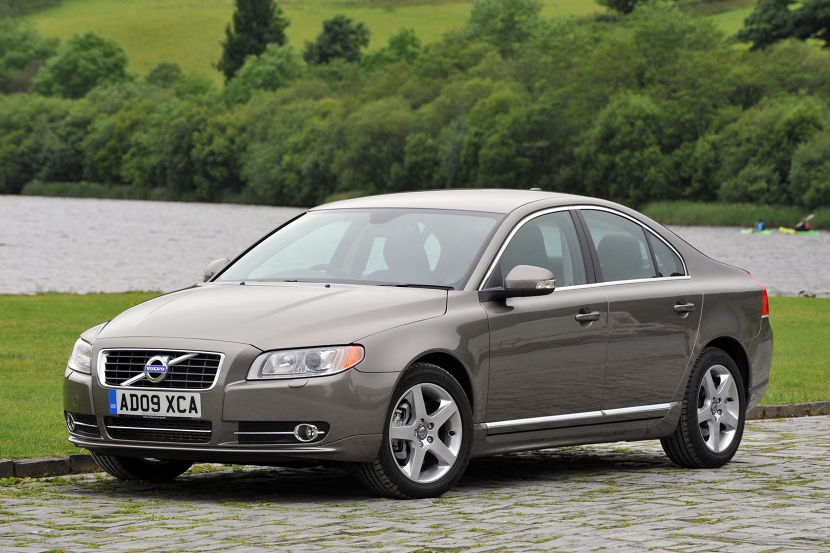 Volvo S80 - luxury cars for less than £10k