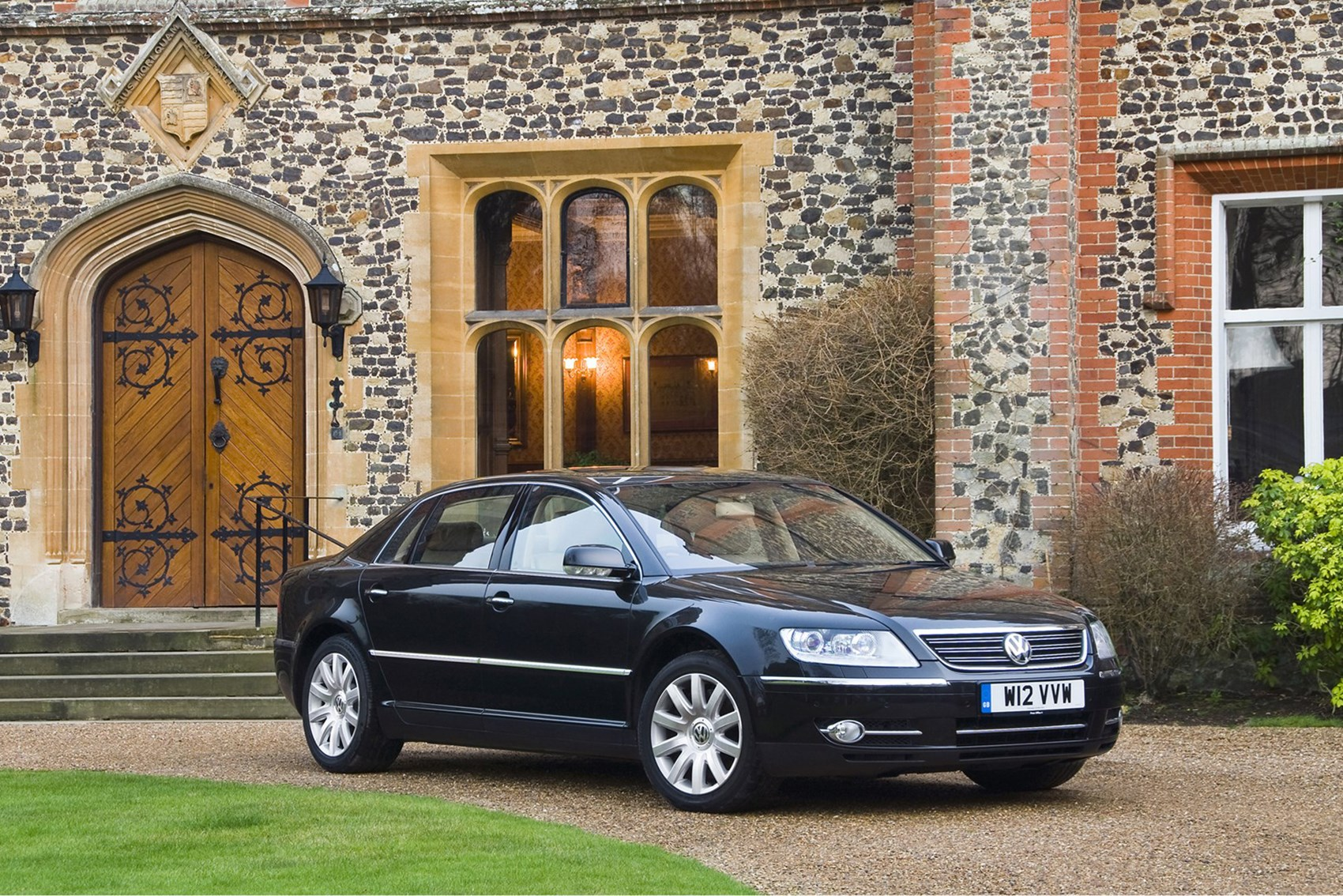 VW Phaeton - luxury cars for less than £10k