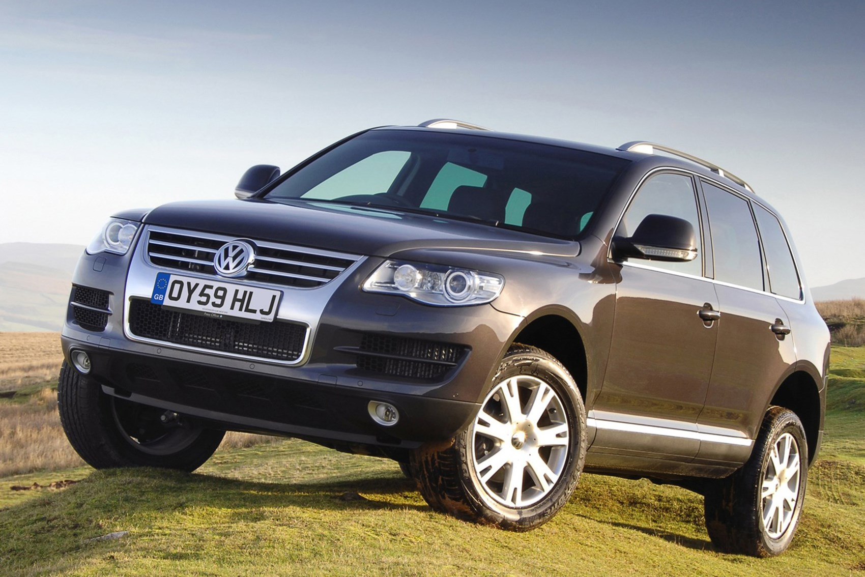 VW Touareg - luxury cars for less than £10k