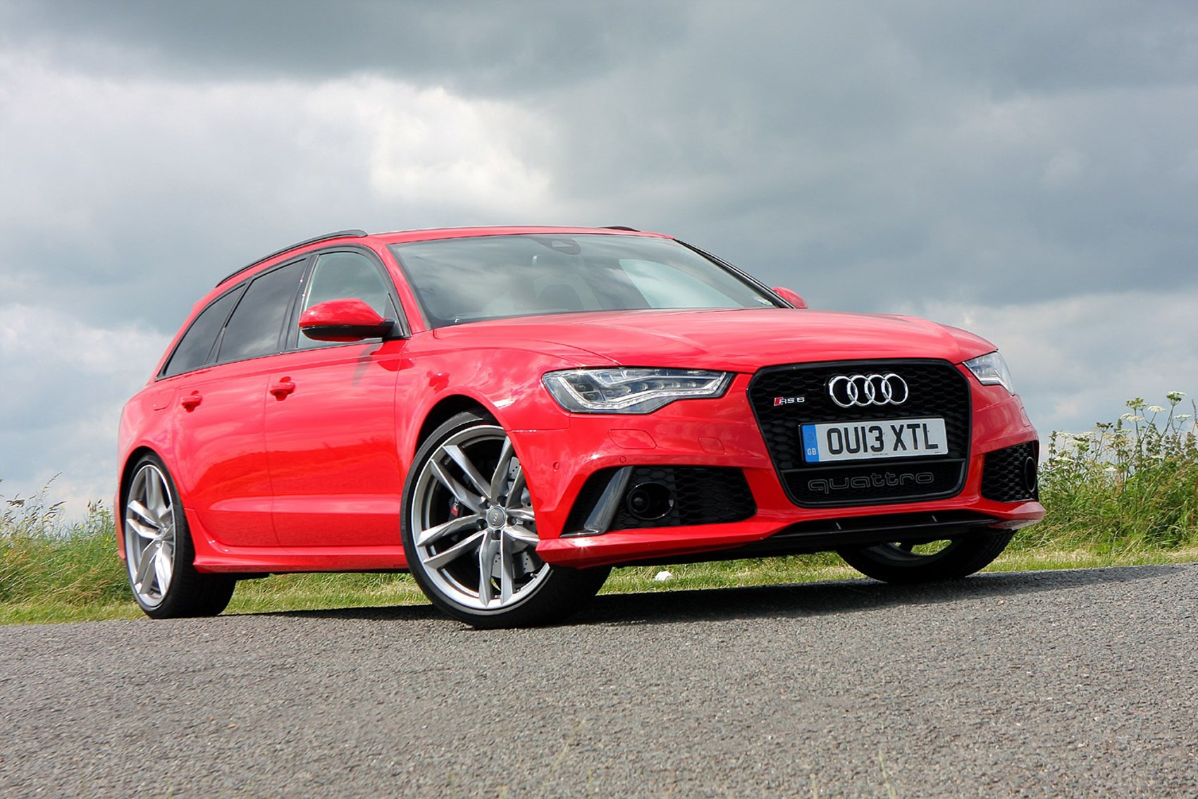 Audi RS6   Best Fast Family Saloon Cars