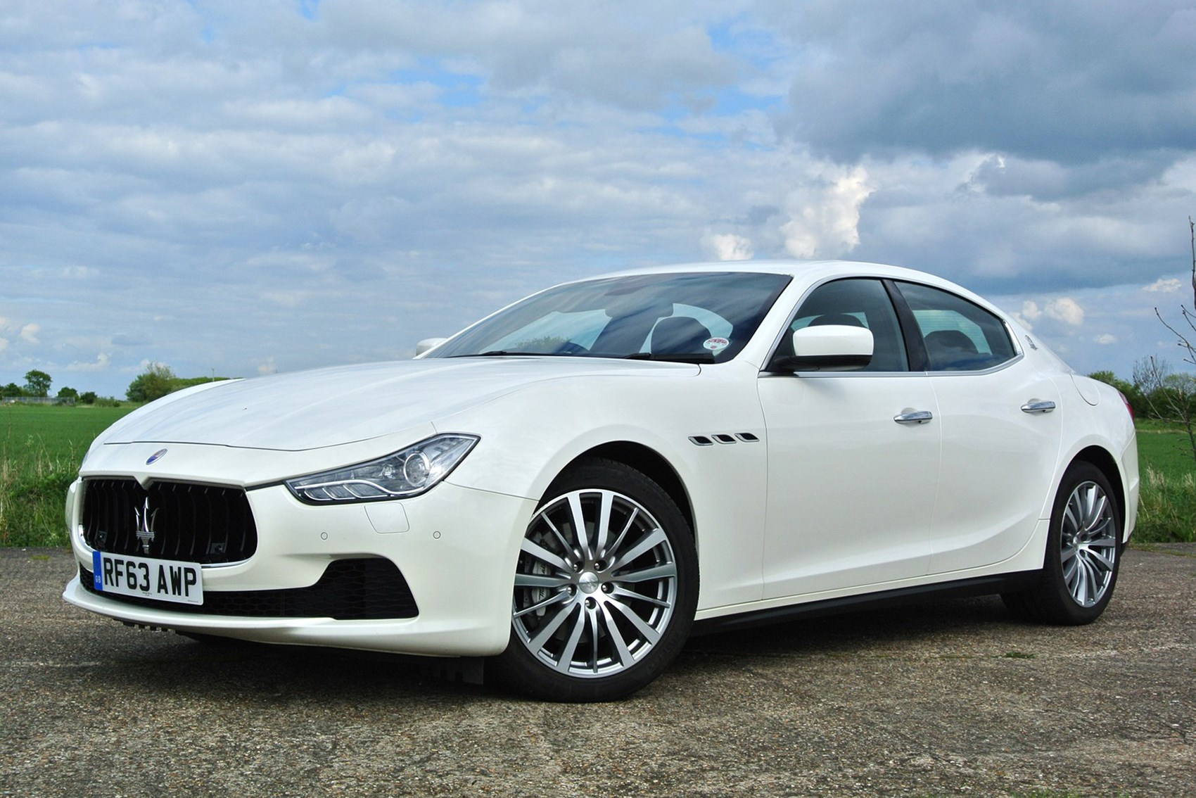 Maserati Ghibli   Best Fast Family Saloon Cars Amazing Design