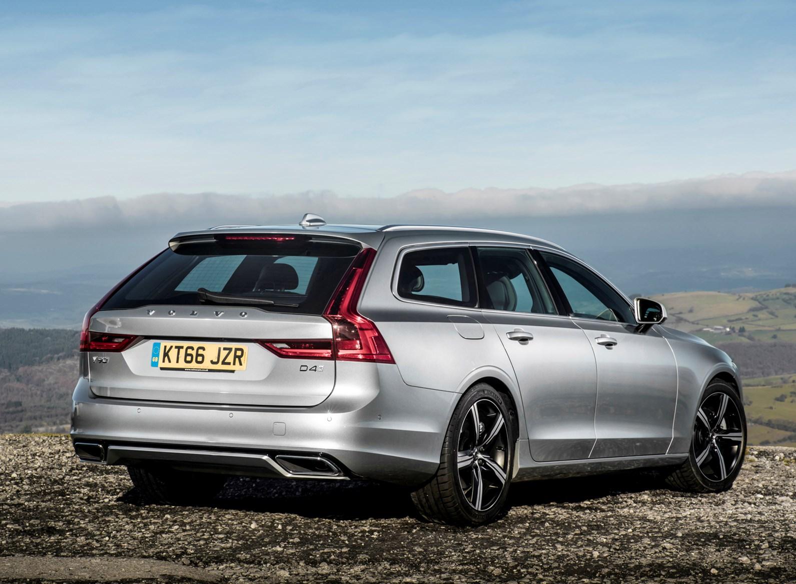 Volvo V90 - best estate cars for golfers