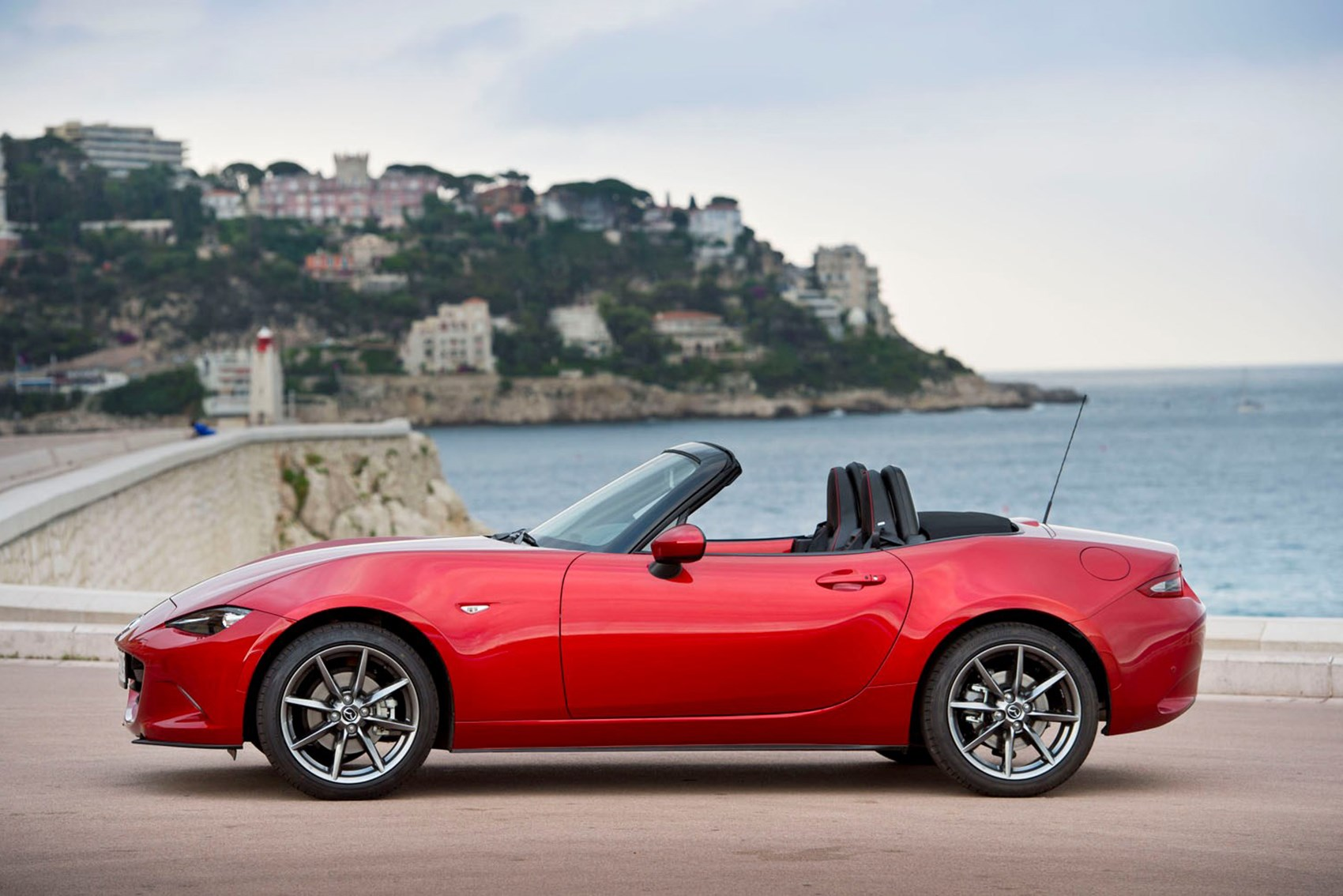 Mazda MX-5 - cheap fast cars