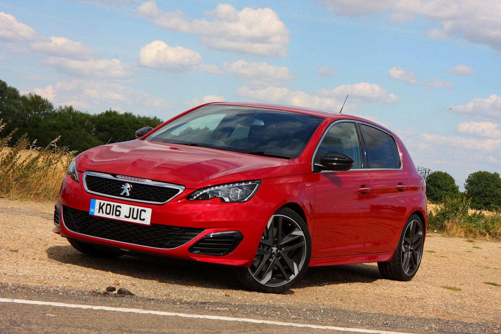 Peugeot 308 GTI 270 - cheap fast cars