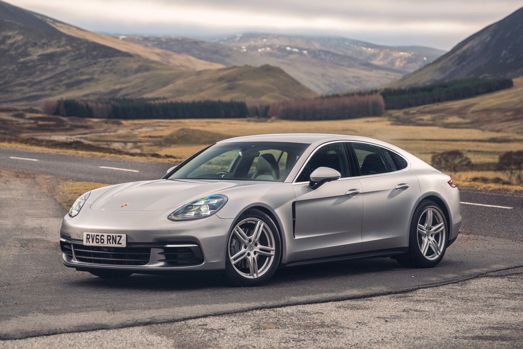 Porsche Panamera - fast economical cars