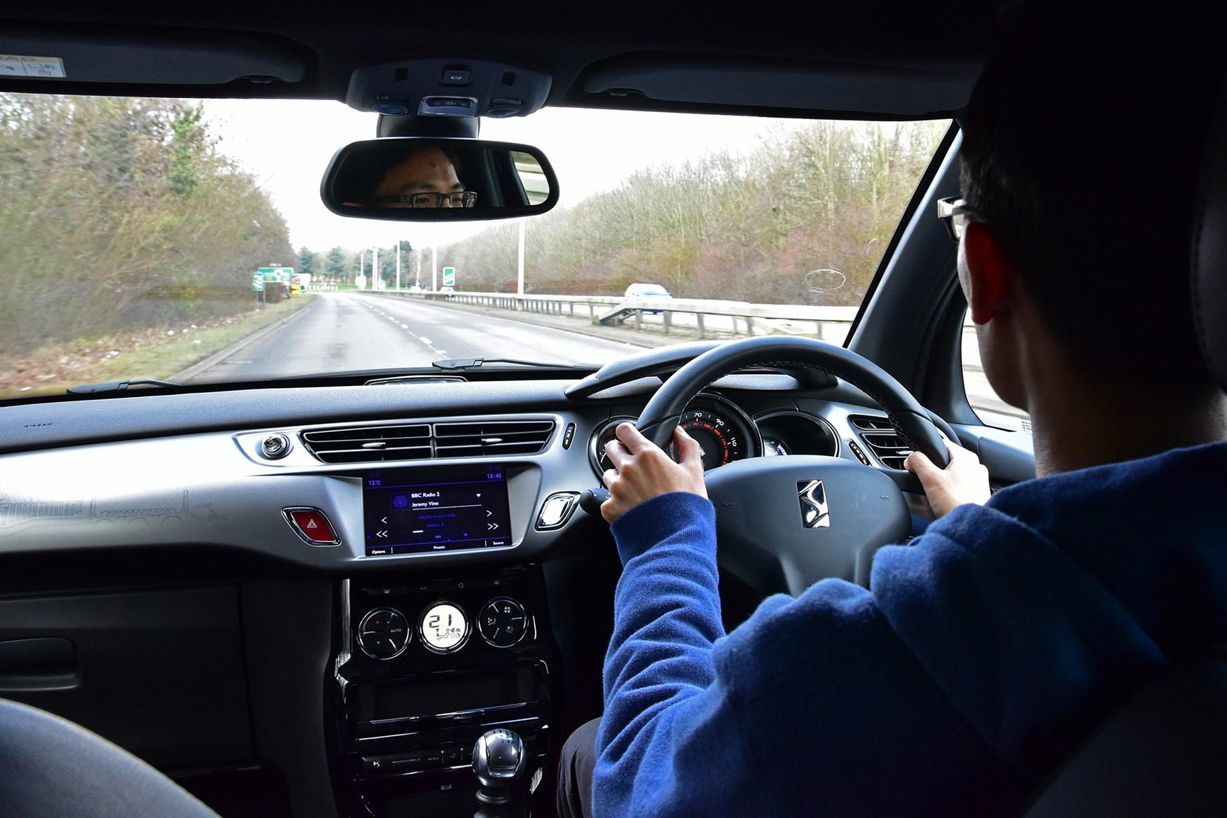 DS 3 Cabrio motorway driving