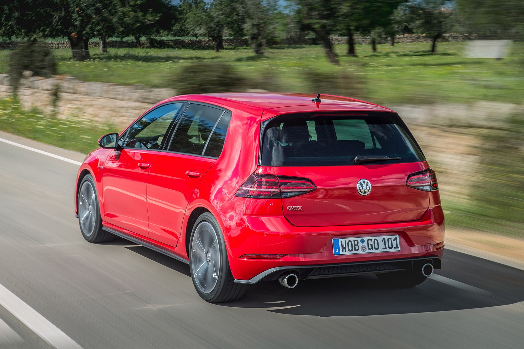 Should I buy a VW Golf or wait for the GTI Performance?