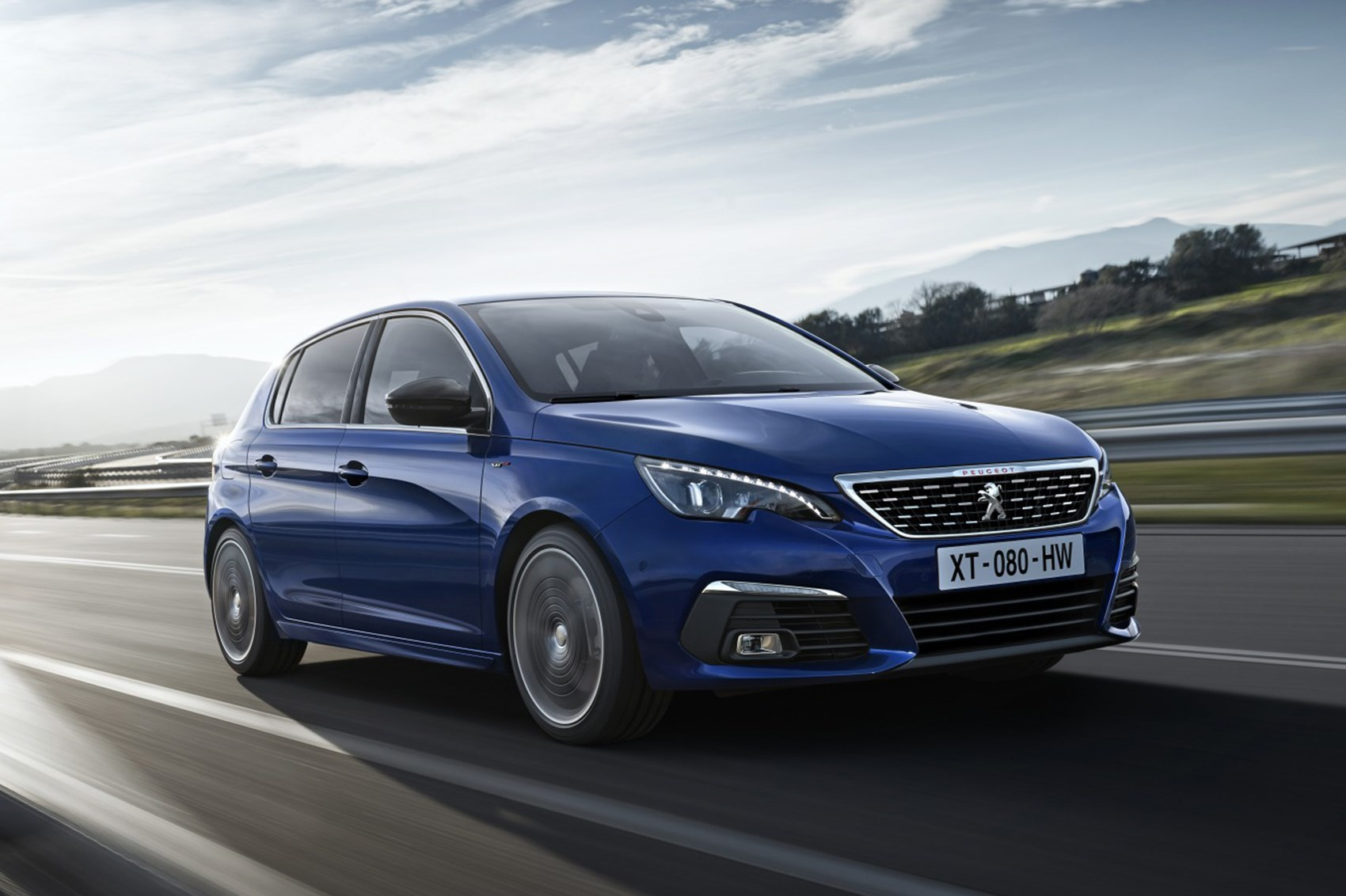 tech two facelifted peugeot 308 has fleet appeal parkers the 10 best fun sports car for 10k undo advertisement facelifted peugeot 308 2017 peugeot 308 facelift blue driving