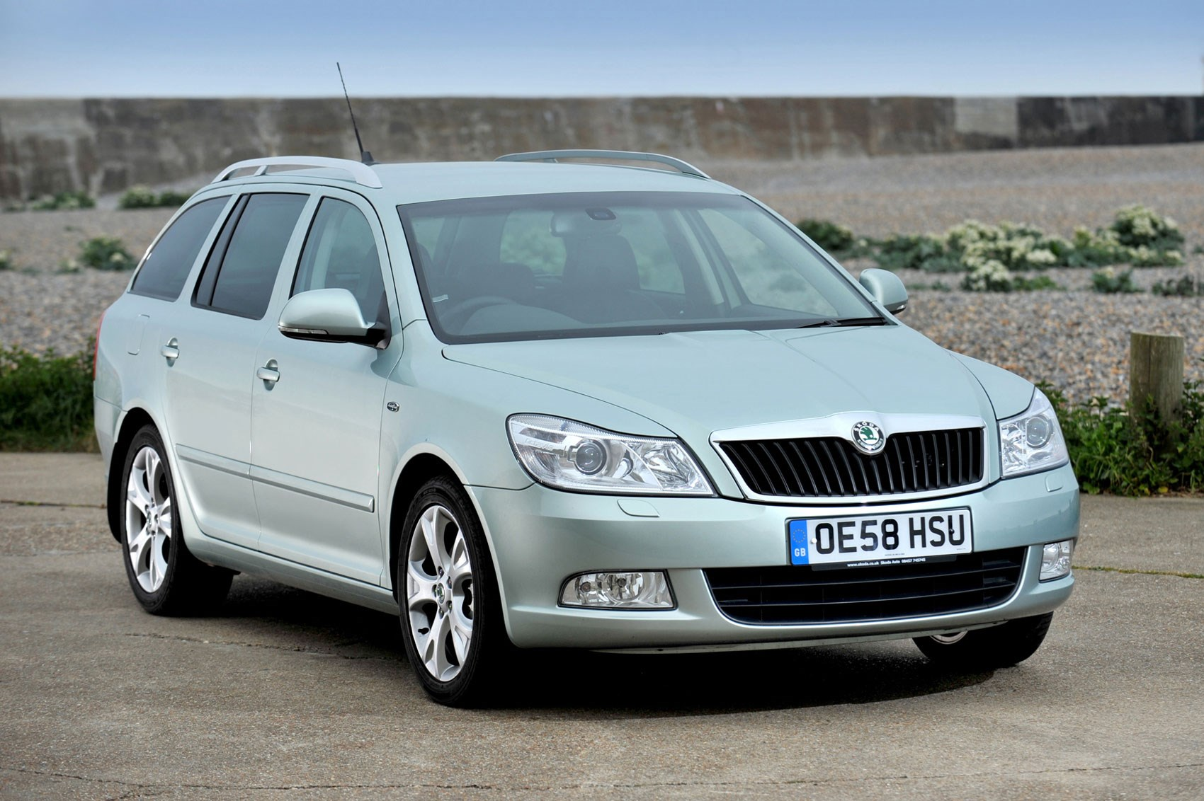 Best used commuter cars for £2,000 | Parkers