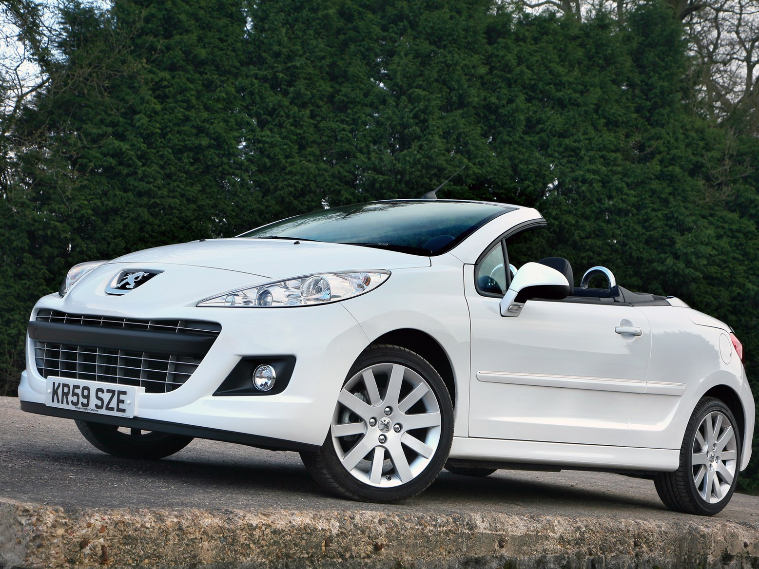 Best cheap used convertible cars for sale in the UK | Parkers