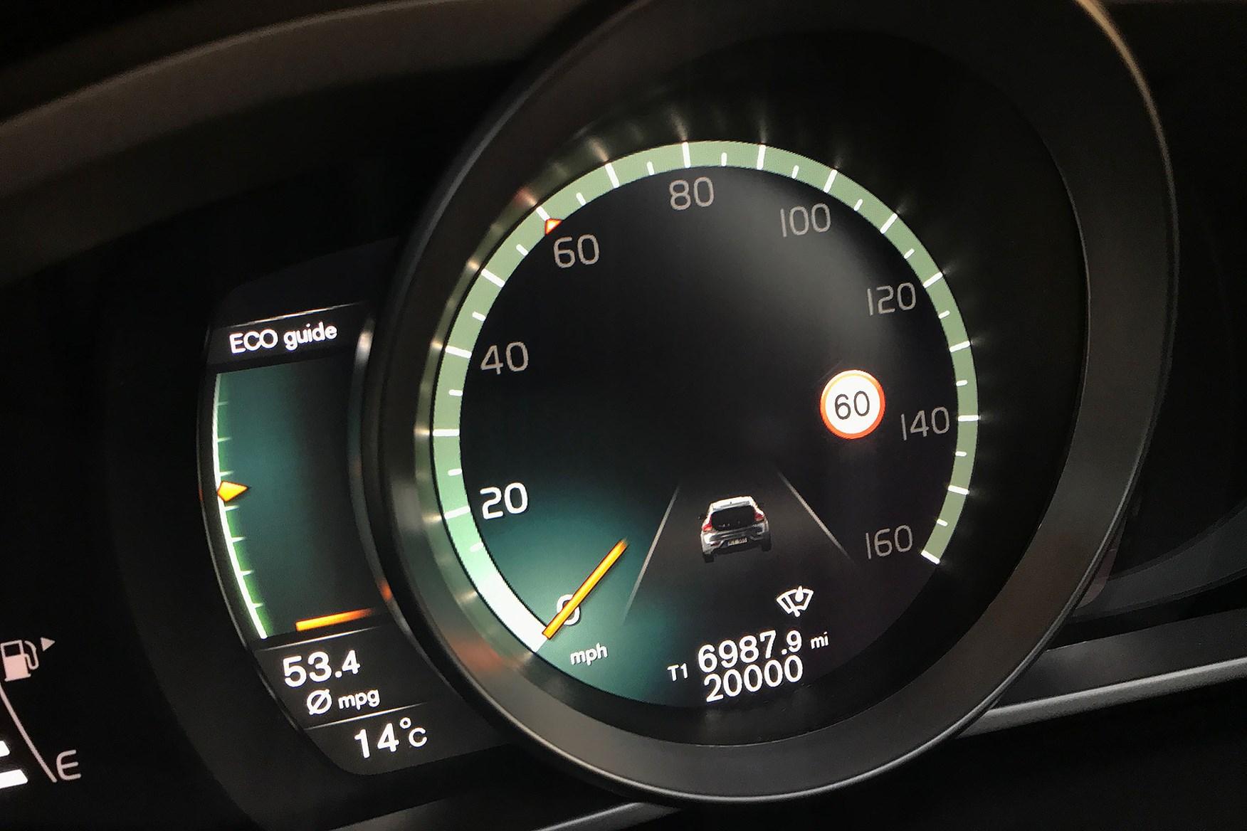 Volvo V40 D4 R Design 20,000 miles