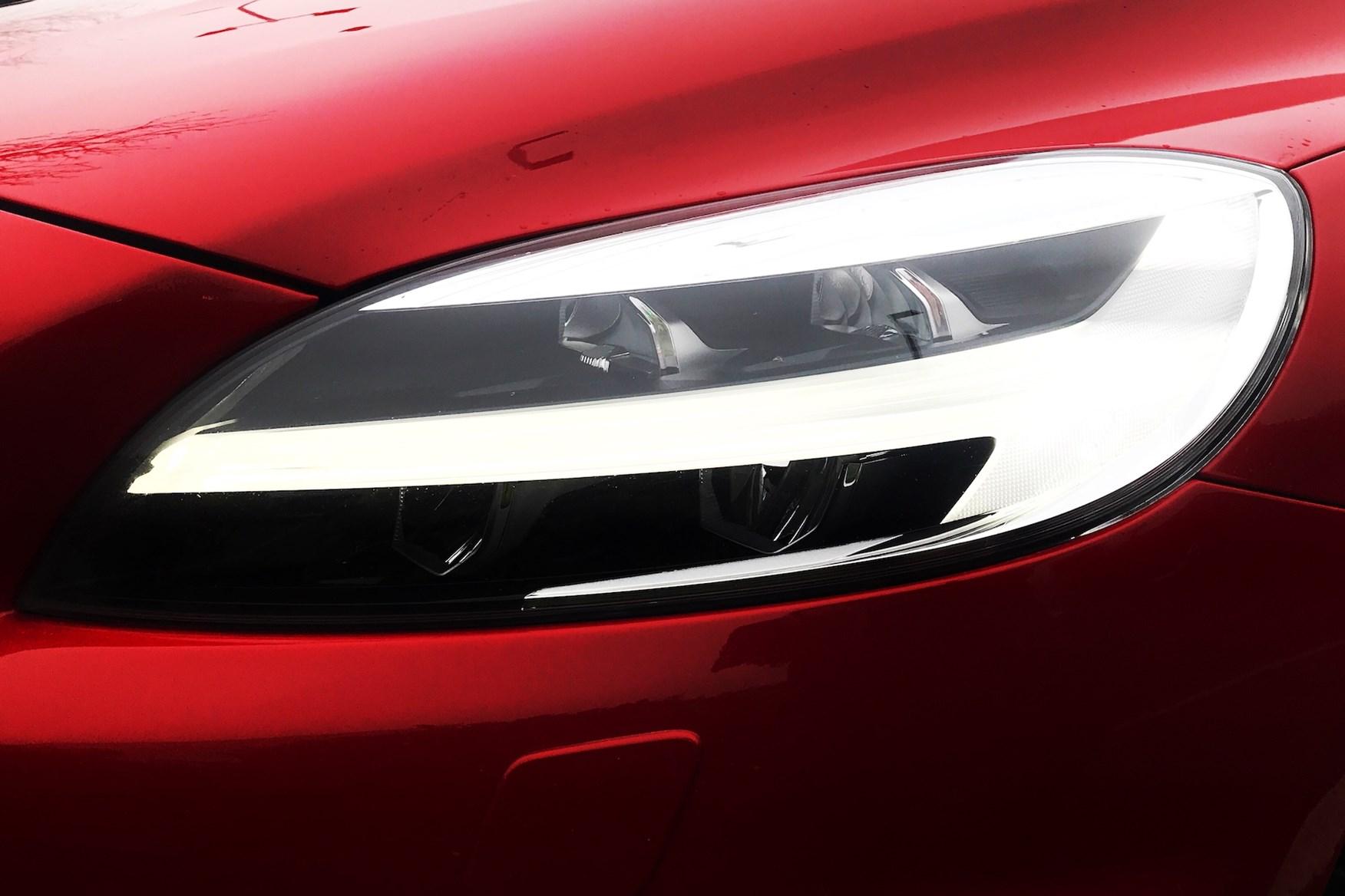 Volvo V40 D4 R-Design Day Running Lights - Passion Red