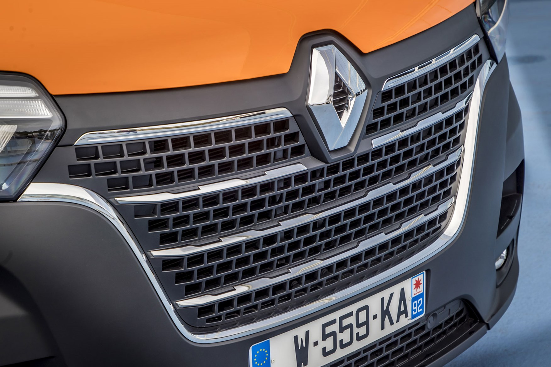 Renault Master review - 2019 facelift, new front grille and bonnet detail, orange