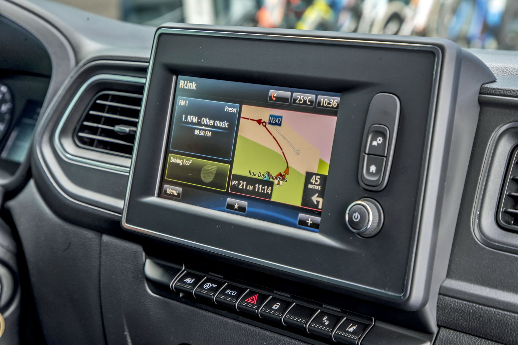 Renault Master review - 2019 infotainment screen