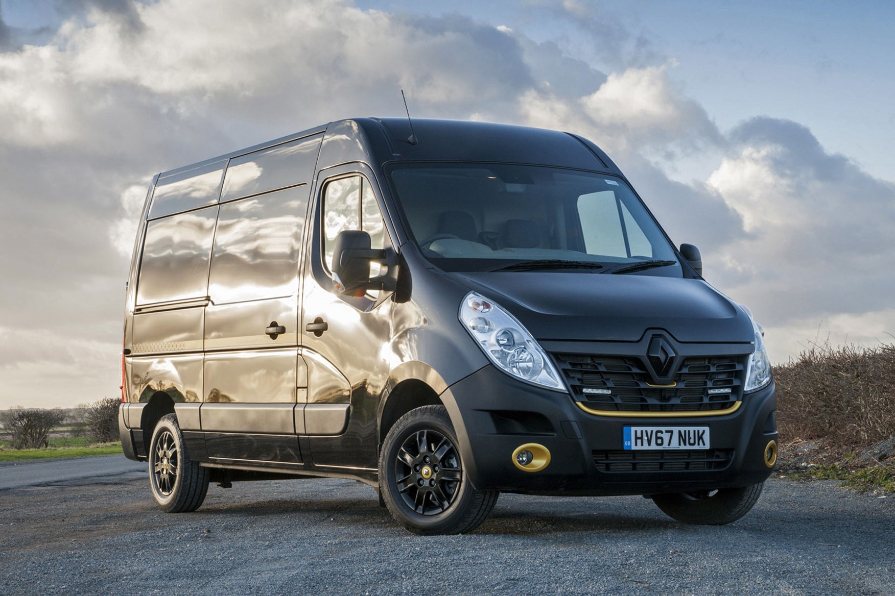 Renault Master Formula Edition review - front sunset