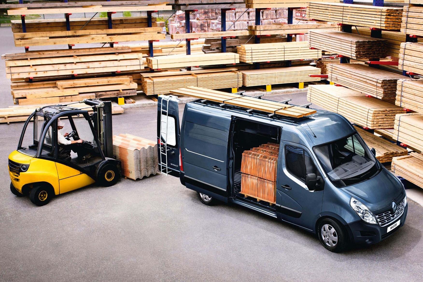 Renault Master van dimensions (2010-on), capacity, payload, volume