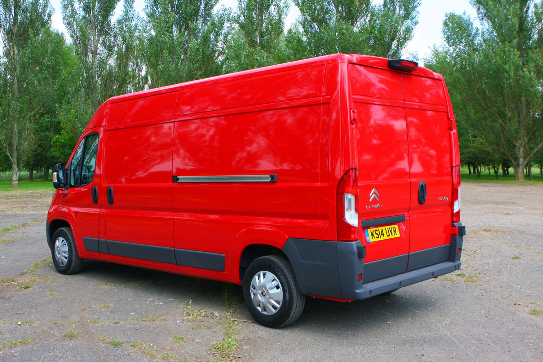 Citroen Relay 2.2 HDi 130 review - rear view, red