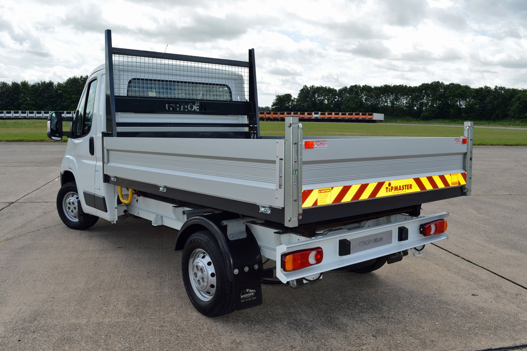 Citroen Relay 2.2 HDi Tipper review - rear view, white