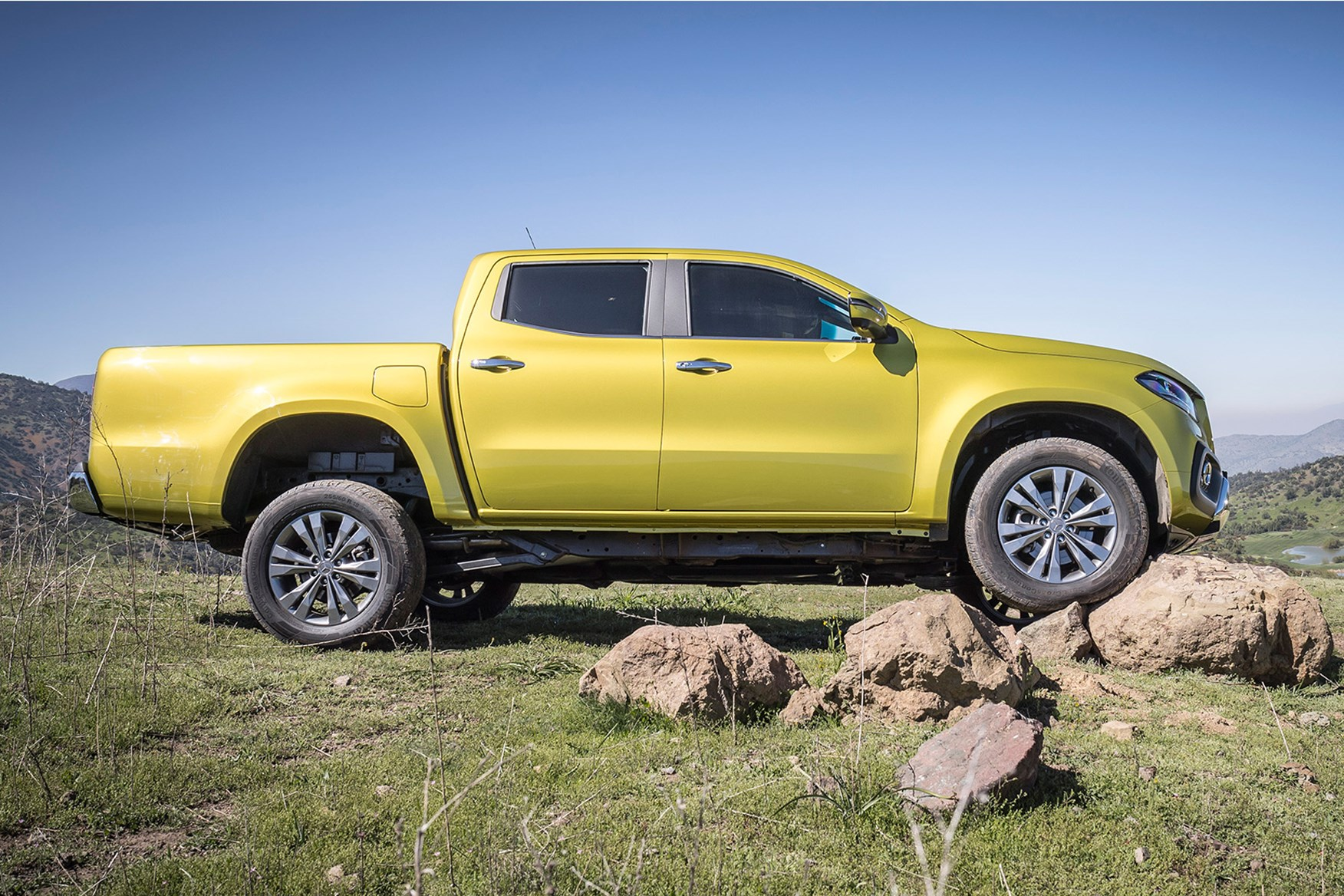 Mercedes-Benz X-Class full review on Parkers Vans - side exterior