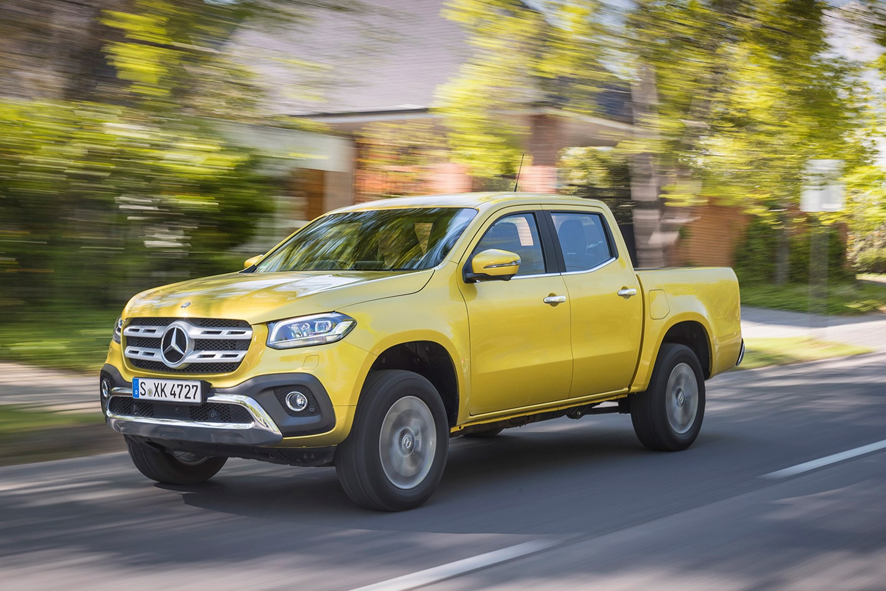 Mercedes-Benz X-Class full review on Parkers Vans - in motion