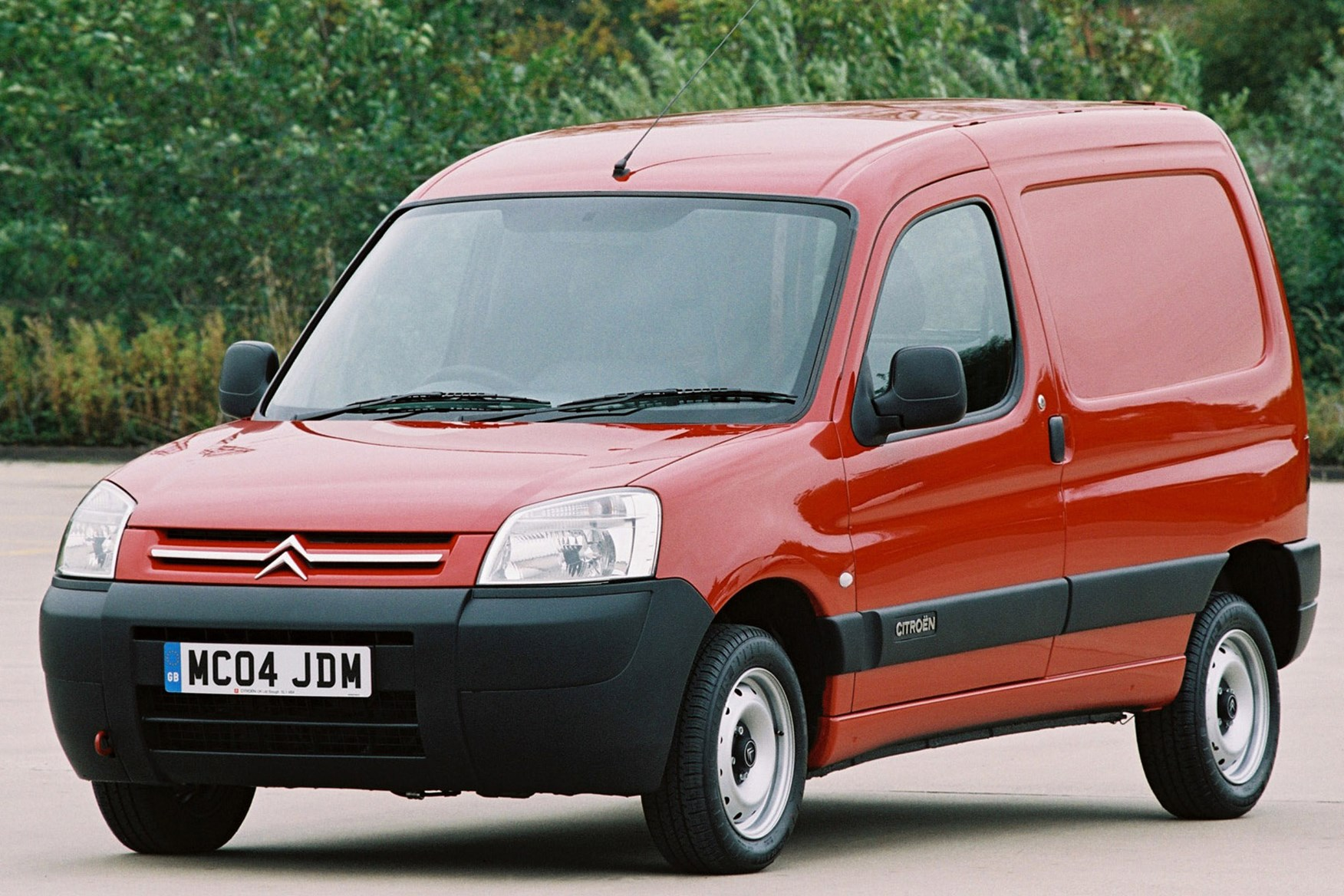 2461110484be62 Citroen Berlingo 2002-2008 review on Parkers Vans
