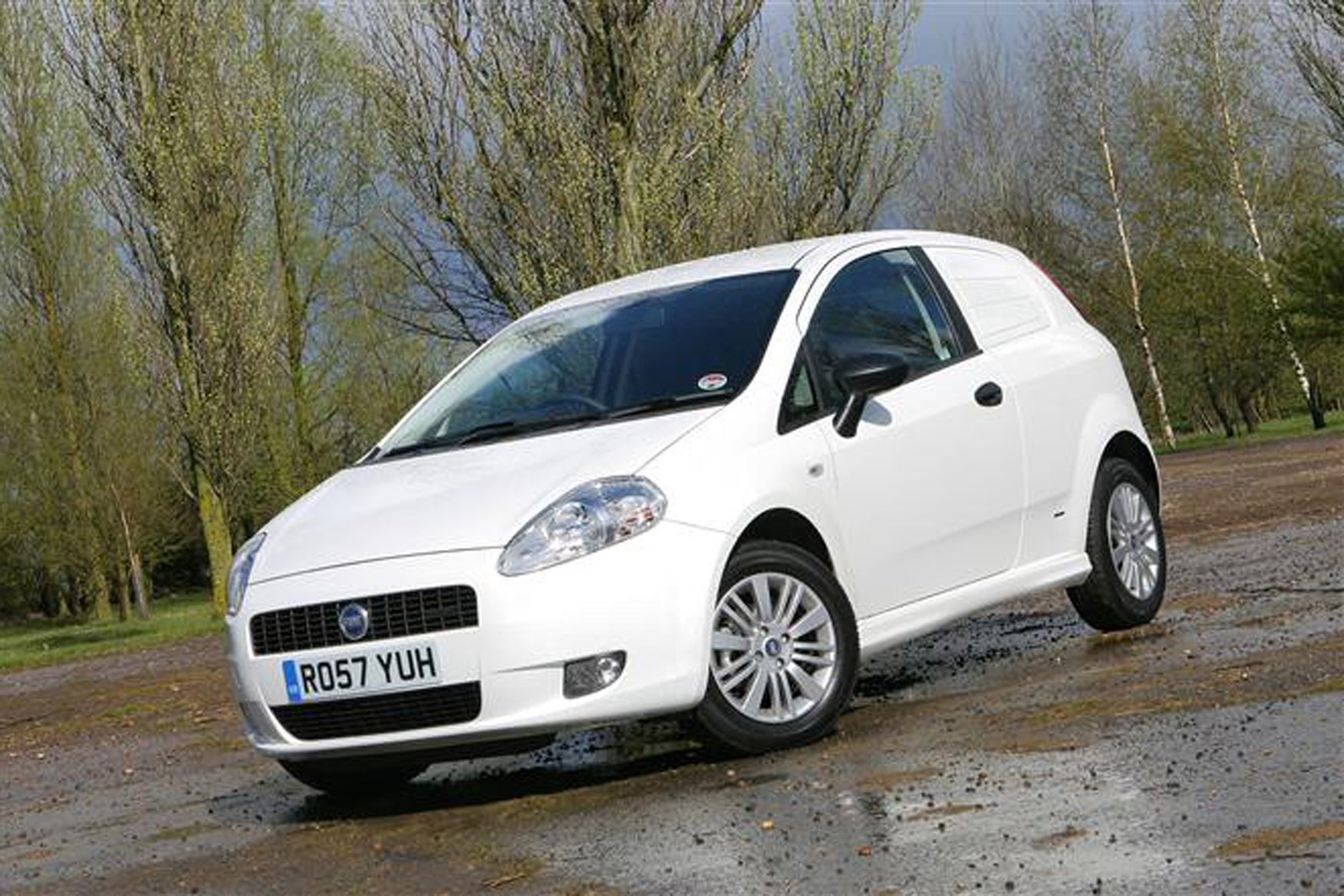 Fiat Grande Punto review on Parkers Vans - front