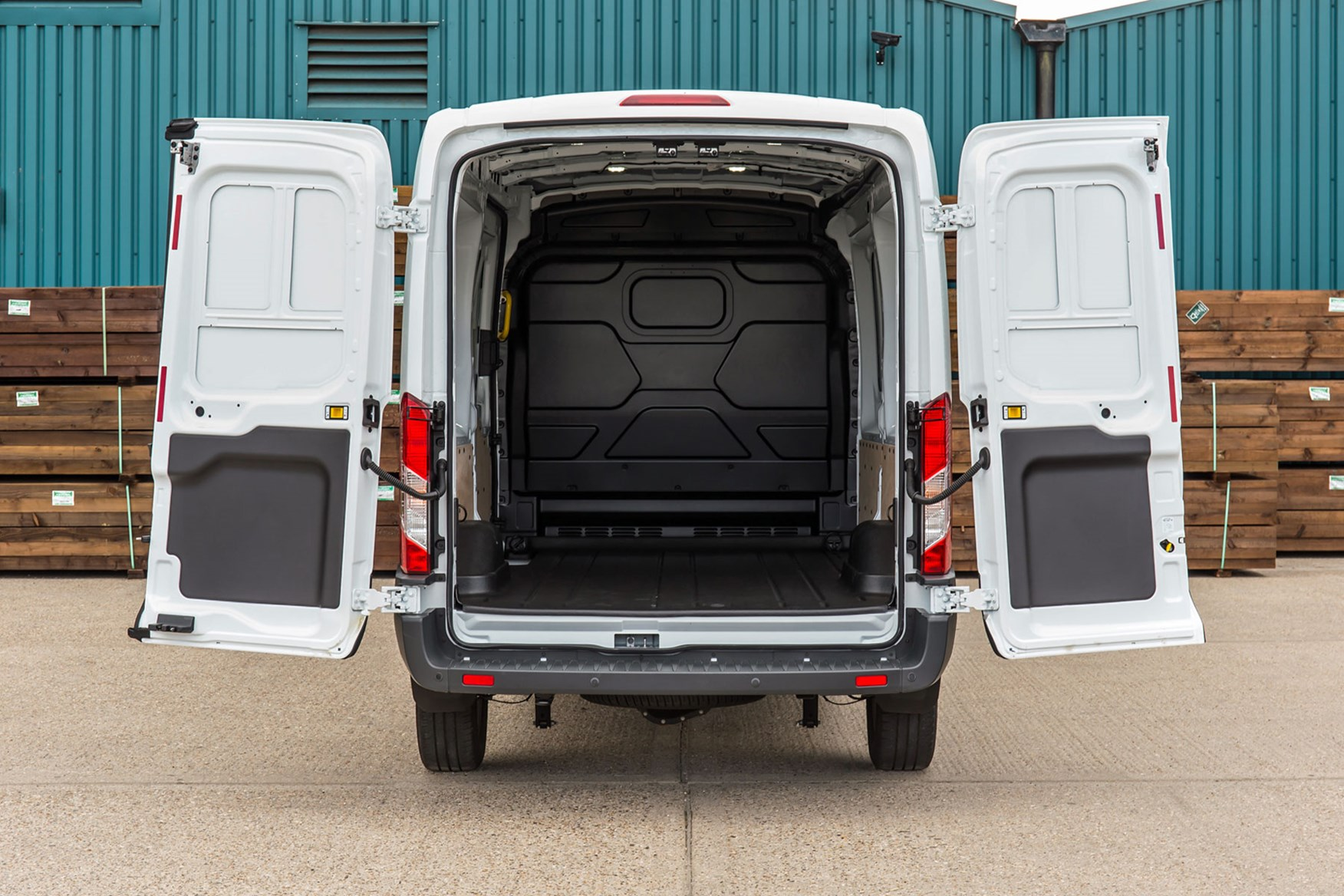 Ford Transit RWD Trend review - L3H2 load area