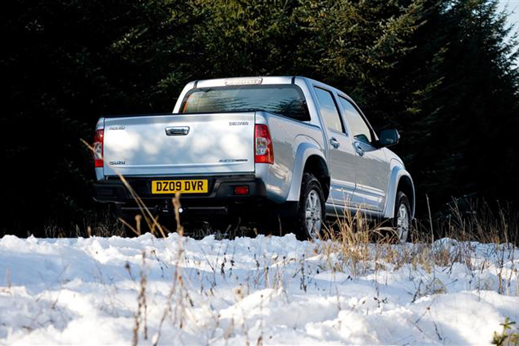 Isuzu Rodeo review on Parkers Vans - rear end exterior