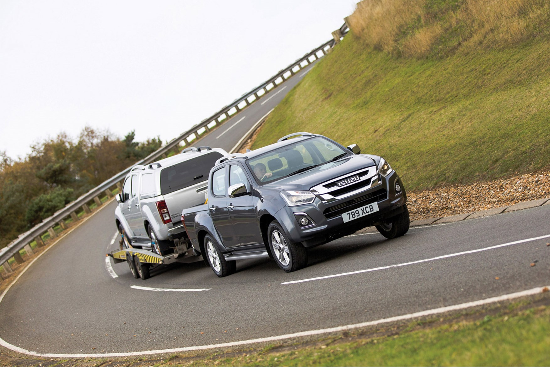 Isuzu D-Max full review on Parkers Vans - towing capability