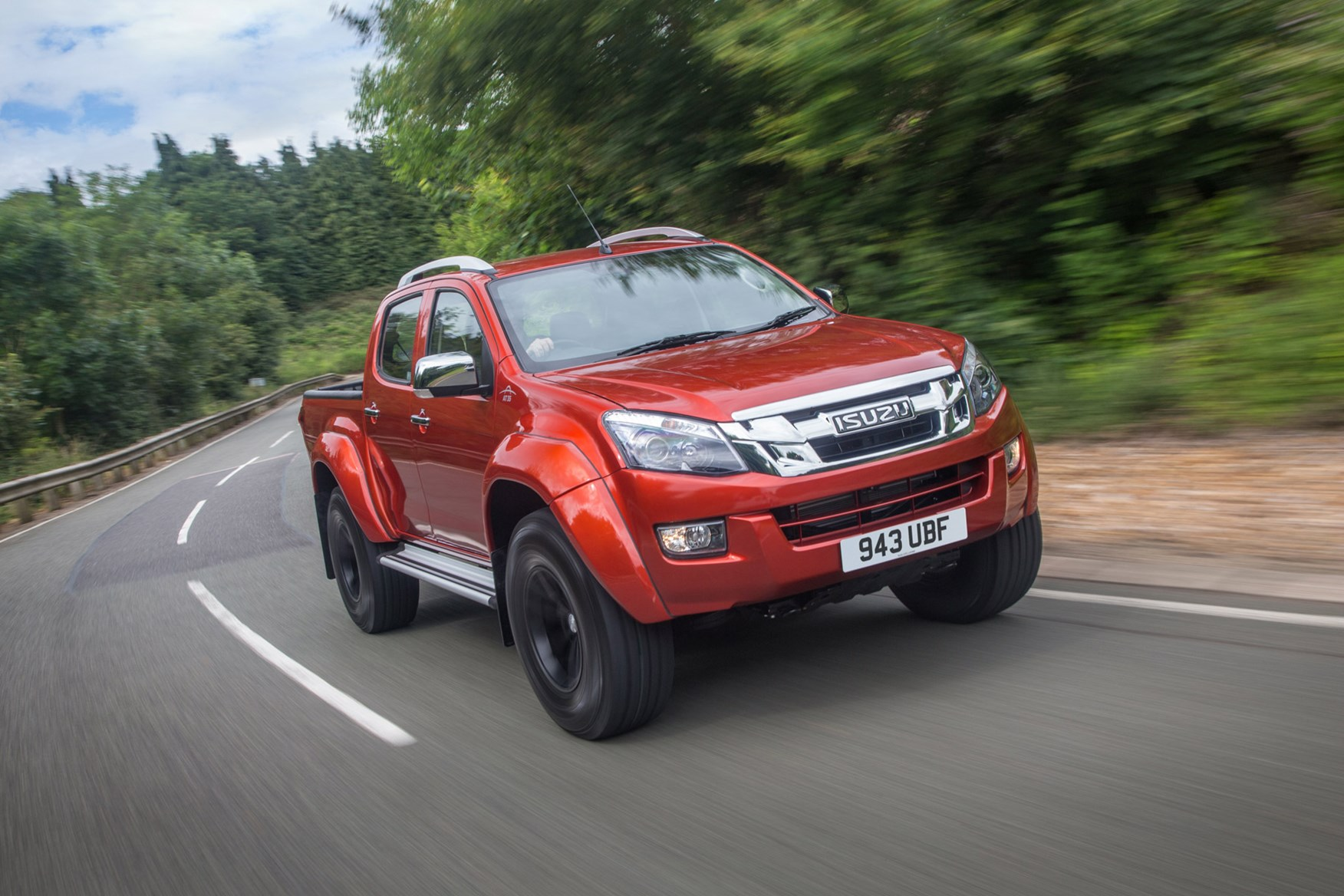 Isuzu D-Max full review on Parkers Vans - AT35 variant exterior