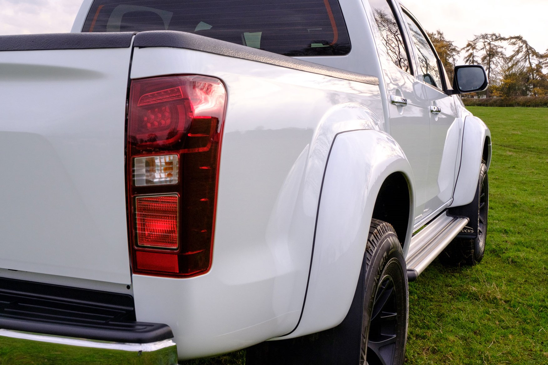 Isuzu D-Max AT35 1.9 review - rear view, close up, white