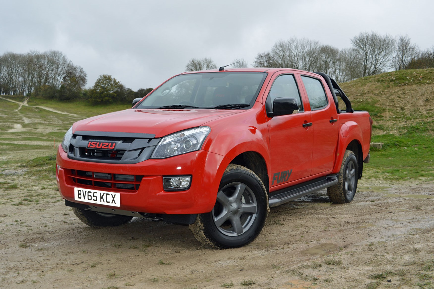 Isuzu D-Max Fury 2.5 review - front view, red