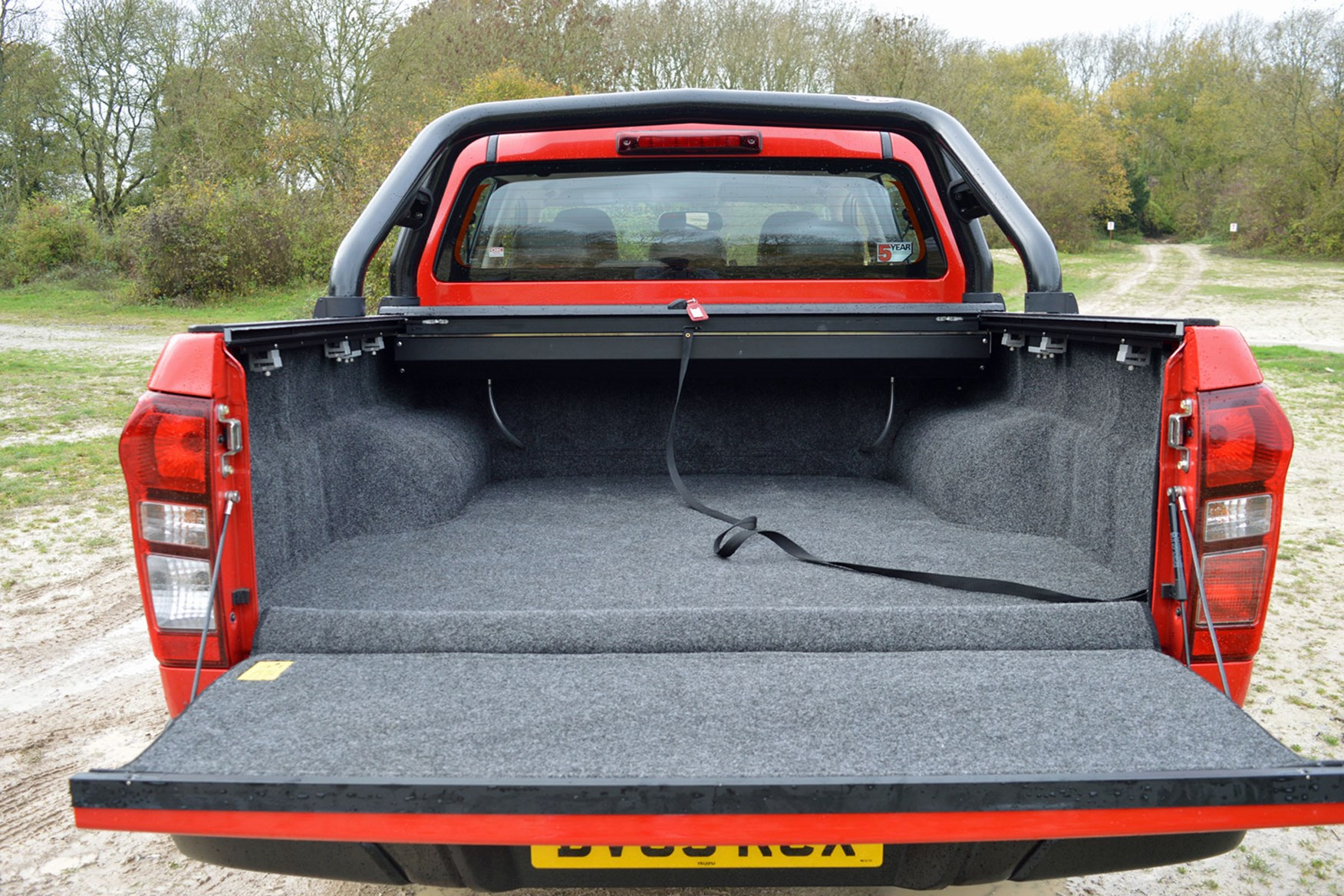 Isuzu D-Max Fury 2.5 review - load area with bed rug