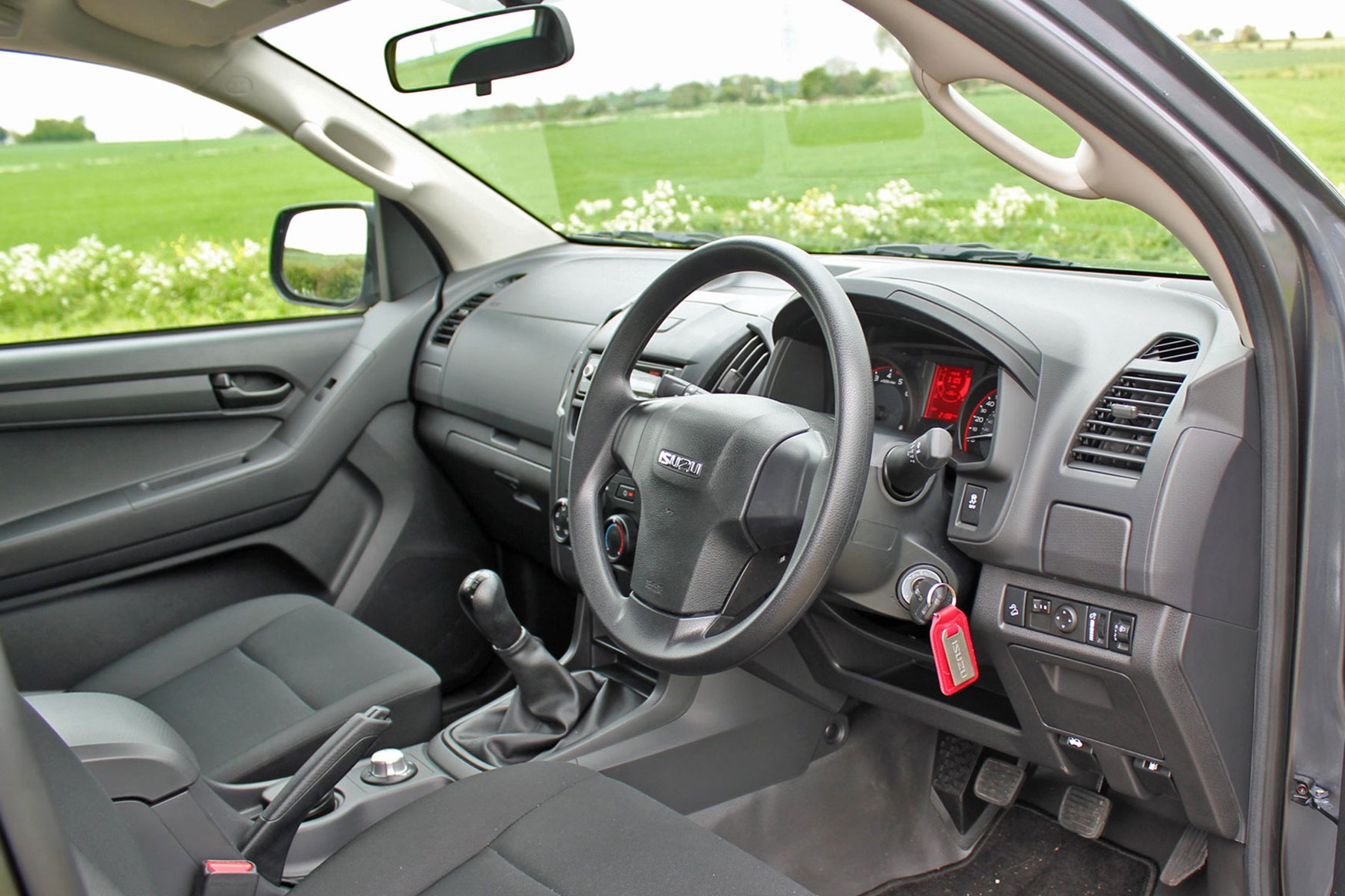 Isuzu D-Max Utility 1.9 review - cab interior