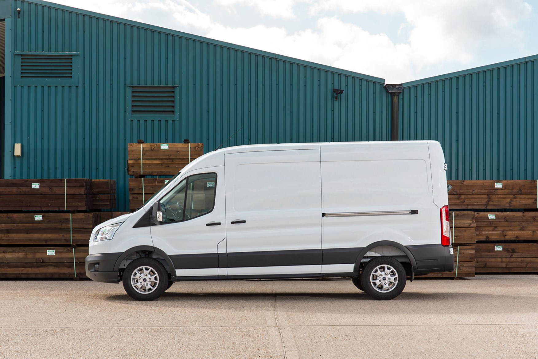 Ford Transit van dimensions side view