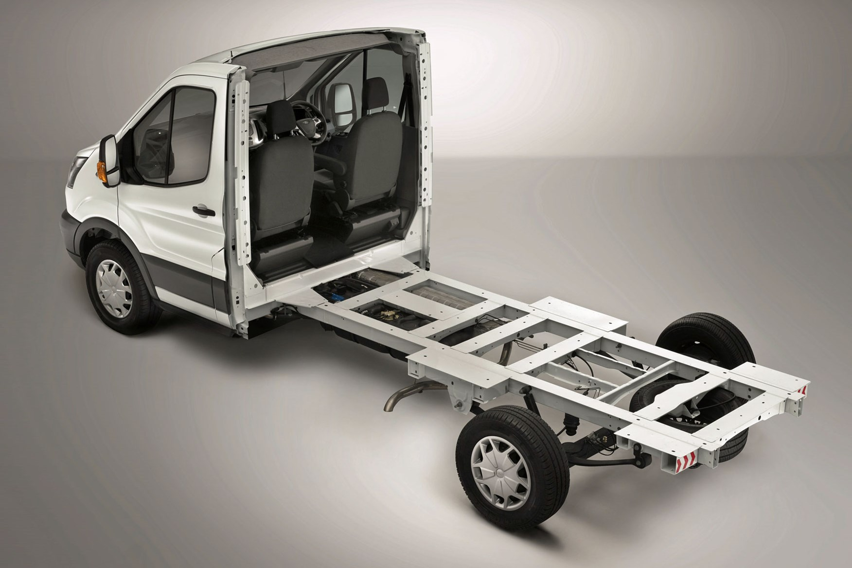 Ford Transit van dimensions, capacity, payload, volume, towing | Parkers
