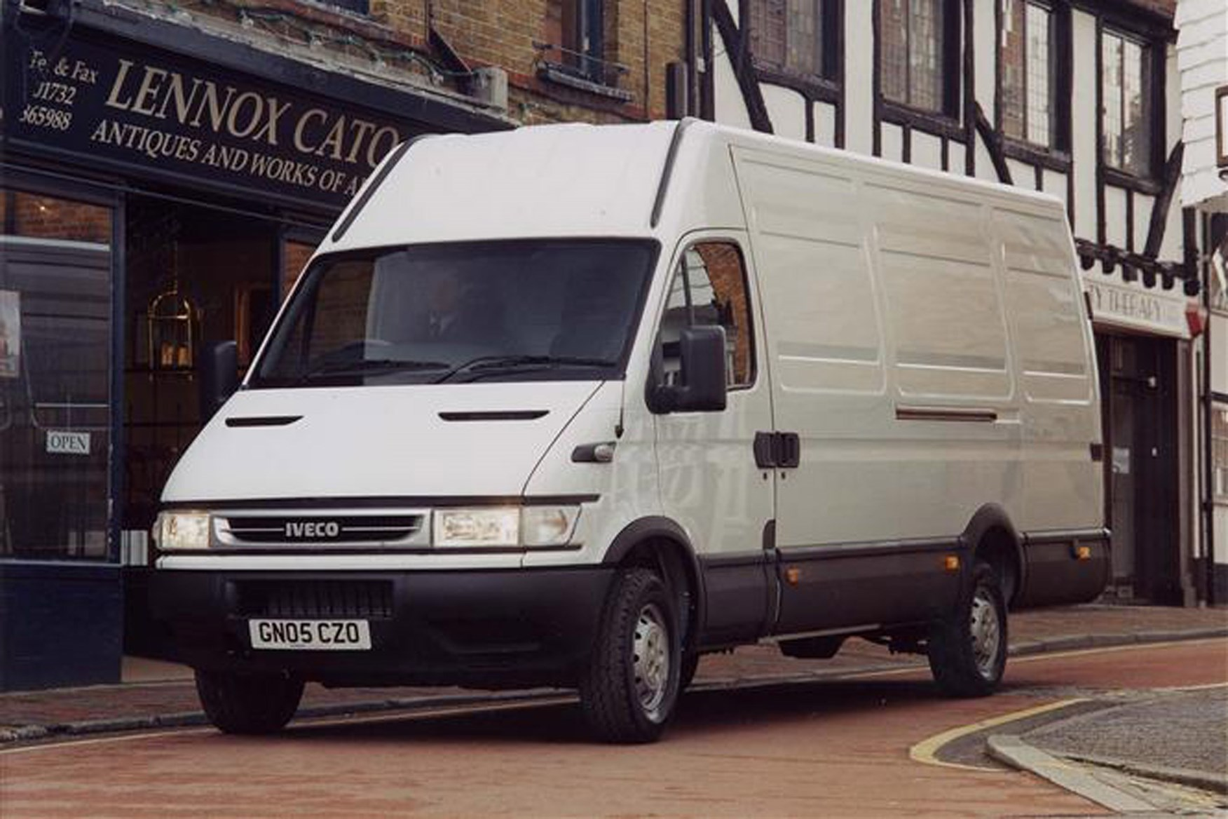 Iveco Daily review on Parkers Vans - exterior