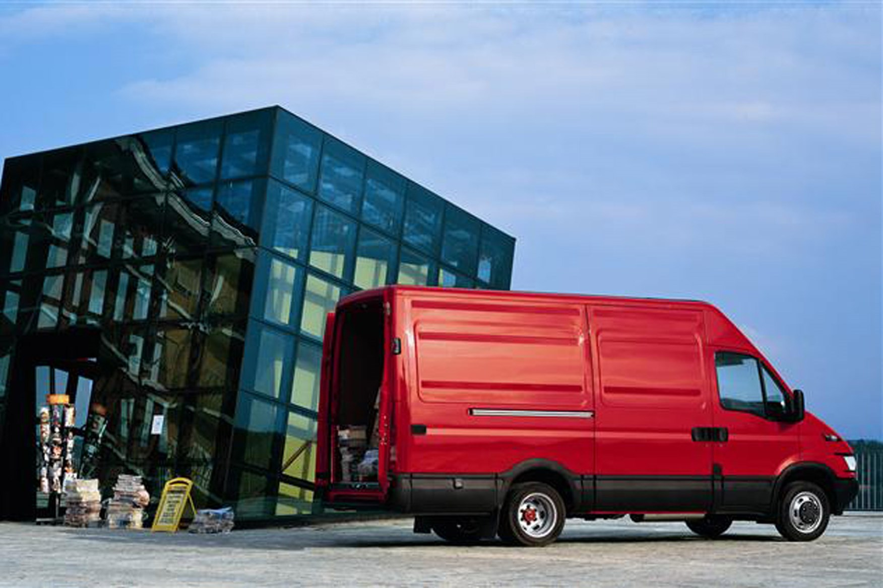 Iveco Daily review on Parkers Vans - side exterior and load access