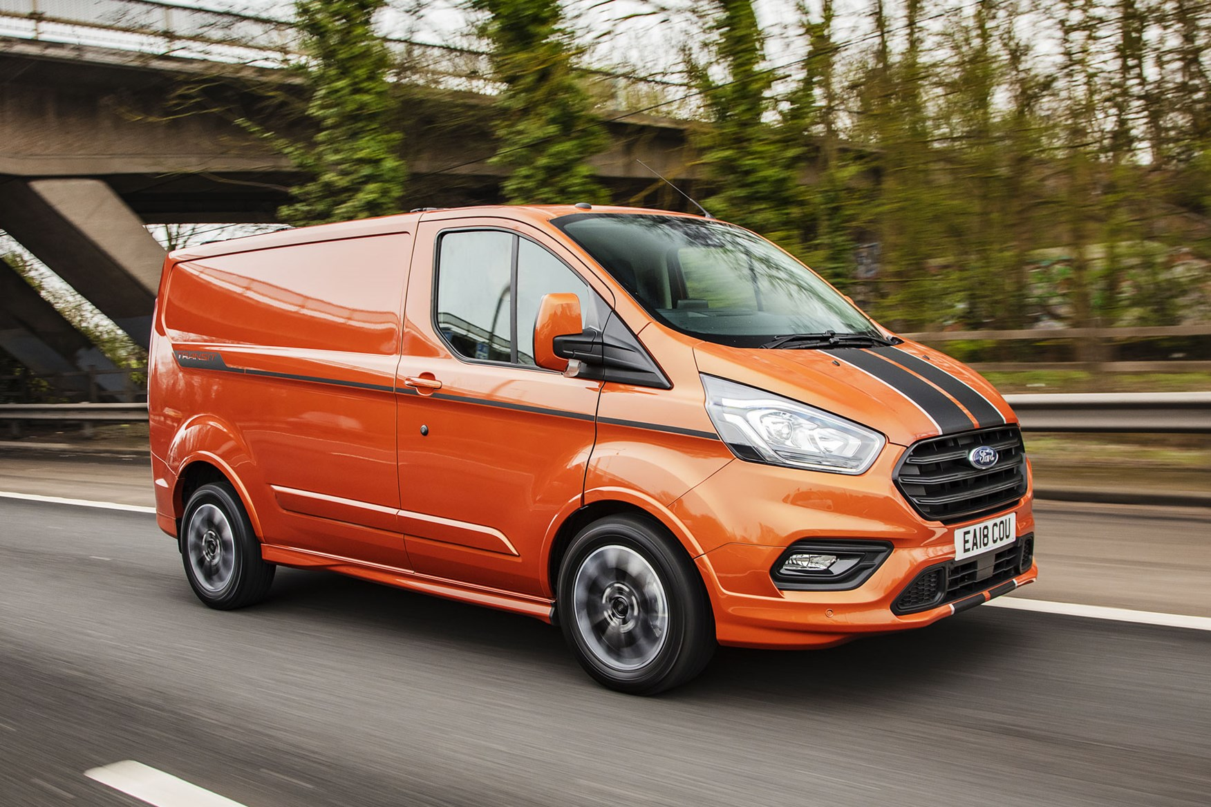 Ford Transit Custom review - 2018 post-facelift driving