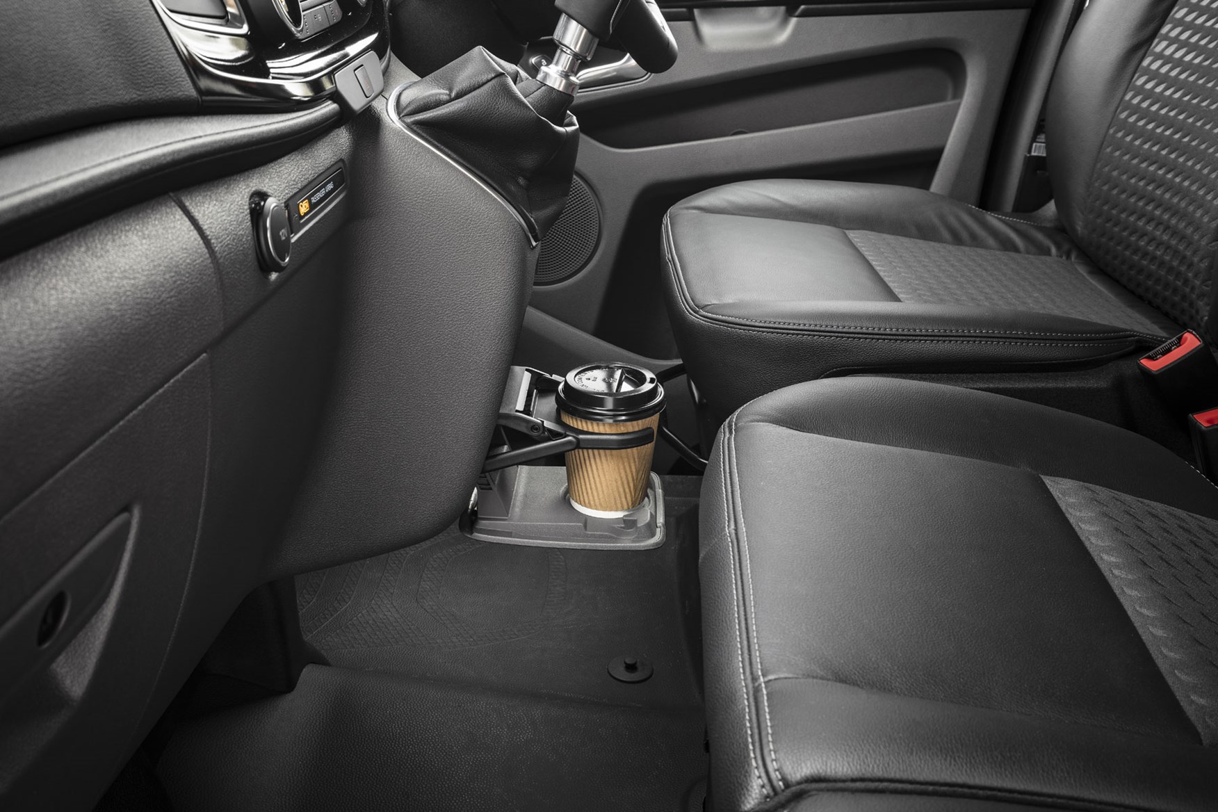 Ford Transit Custom review - 2018 post-facelift centre cupholder