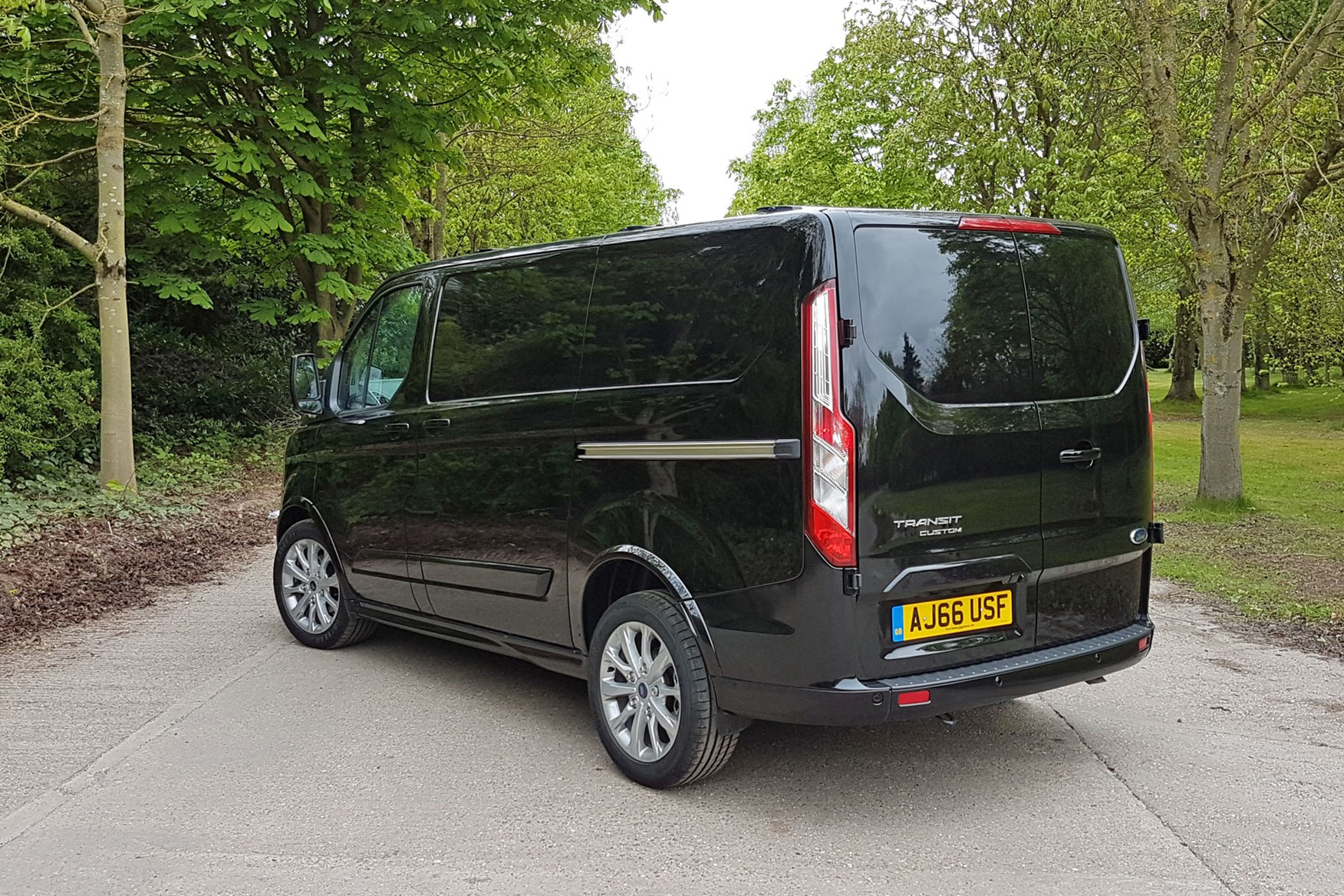 Ford Transit Custom Sport automatic rear